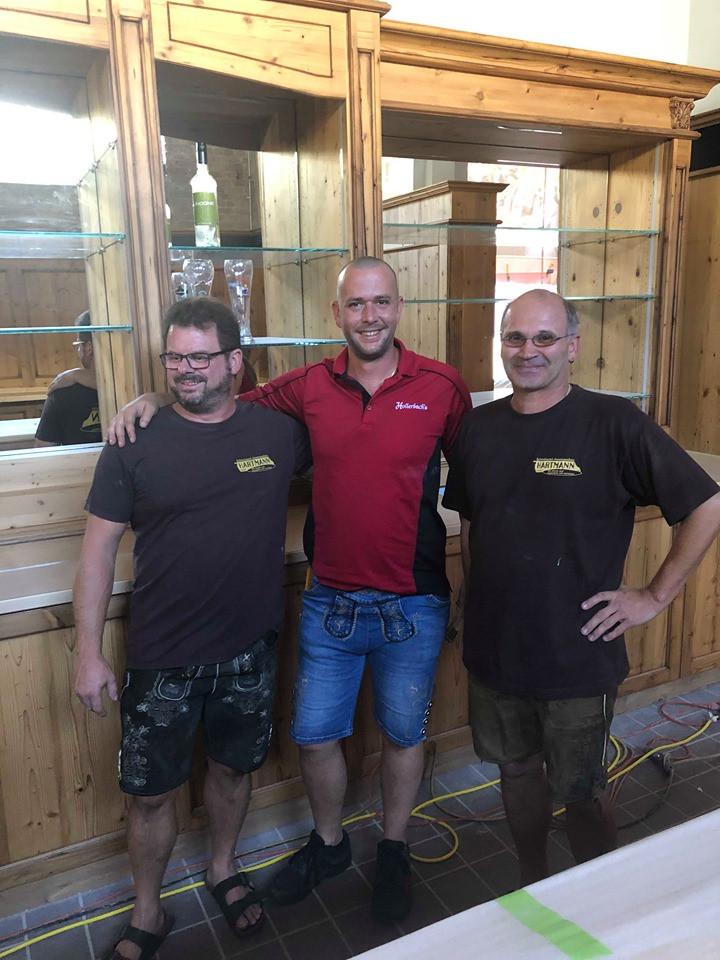 Hollerbachs Josh and the bar builders.jp