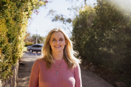 Restoring communication, restoring sight: Brightfocus MDR Fellowship success for ECR Yvette Wooff