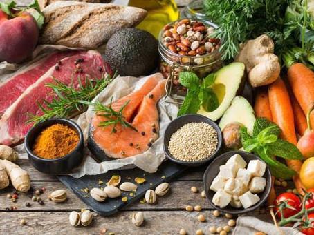 Dieta mediterránea más eficaz que la dieta baja en grasas en prevención de eventos cardiovasculares