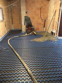 Casa con riscaldamento a pavimento