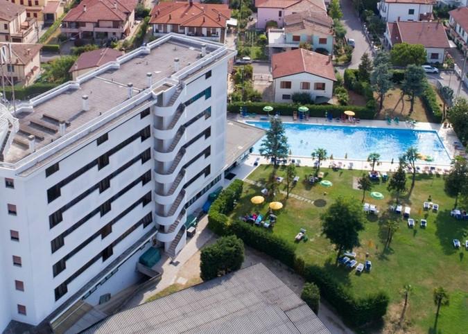 Ampliamento hotel e piscina