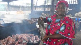 Fumeuse de poisson, un métier à risque pour la santé et l'environnement