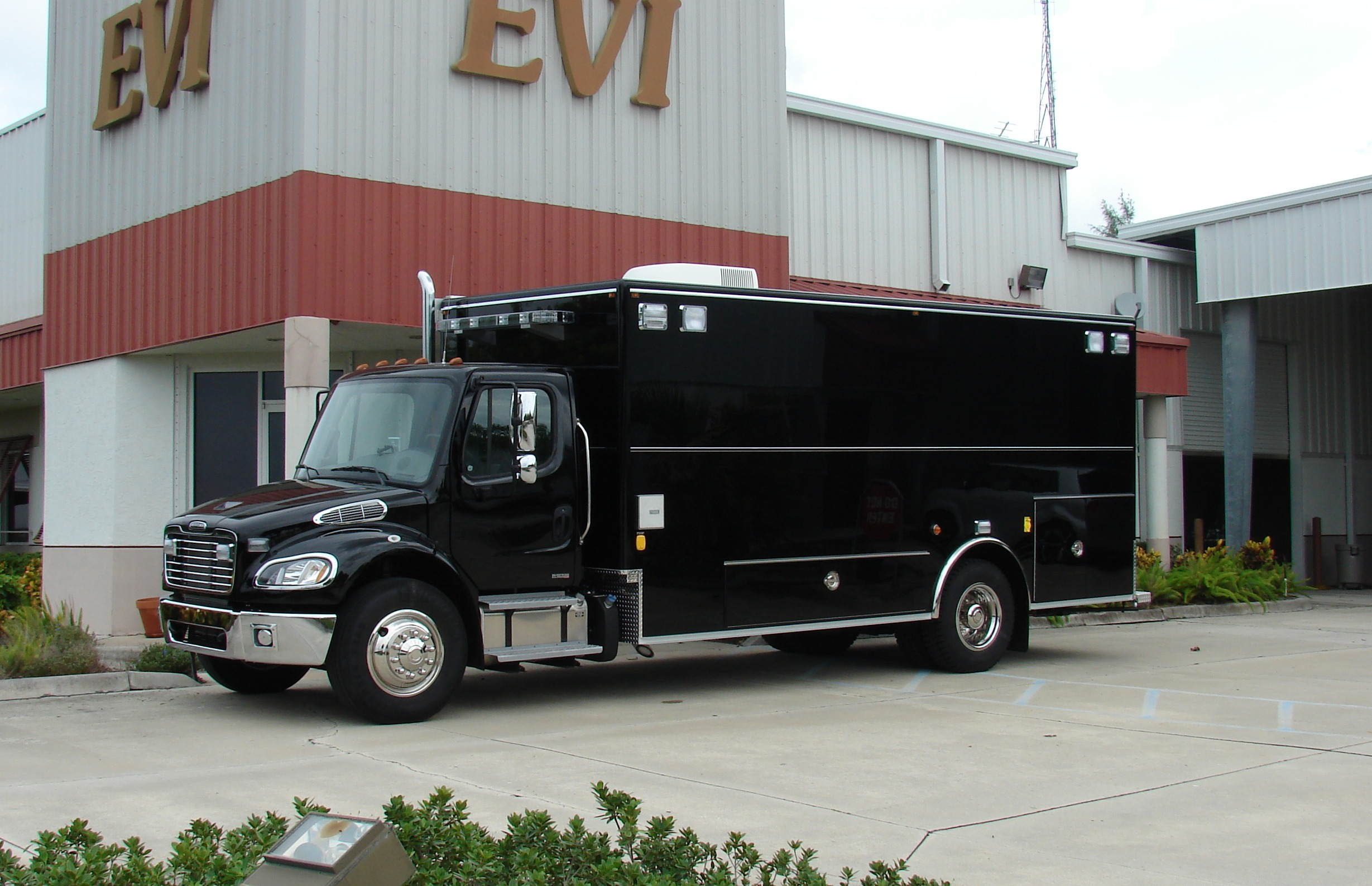 EVI 20-Ft. Command Vehicle