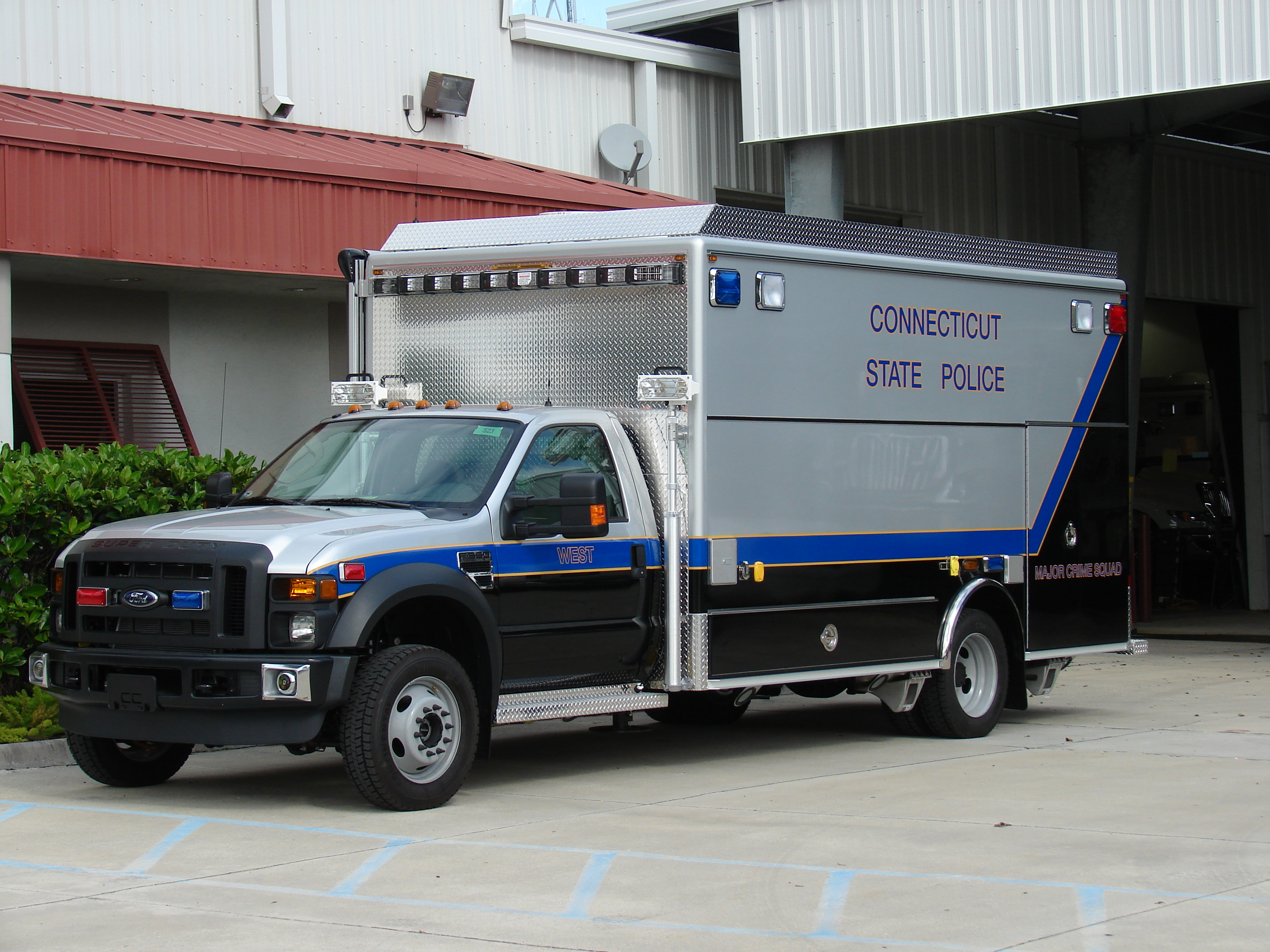 EVI 16Ft Walk-In Crime Squad Vehicle