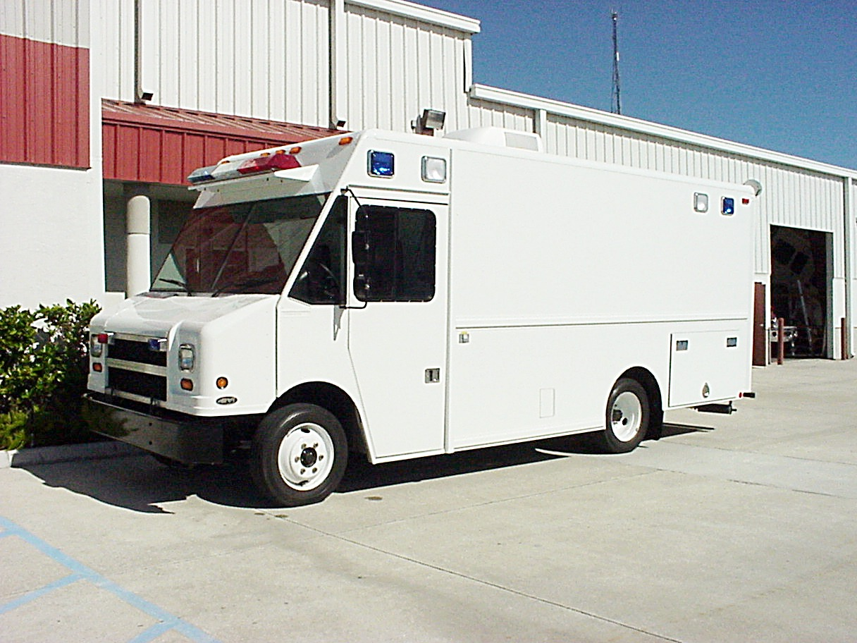 16-Ft Mobile Command Step Van