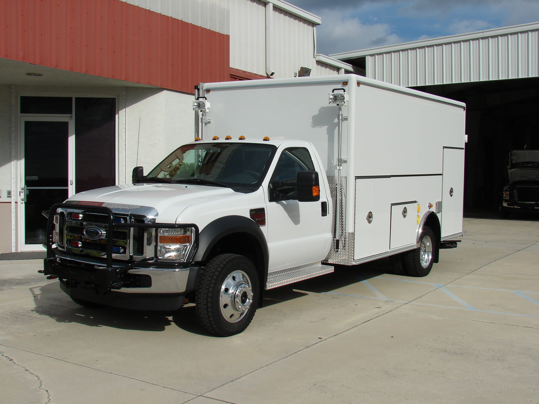 EVI Walk-In DEA Lab Safety Vehicle
