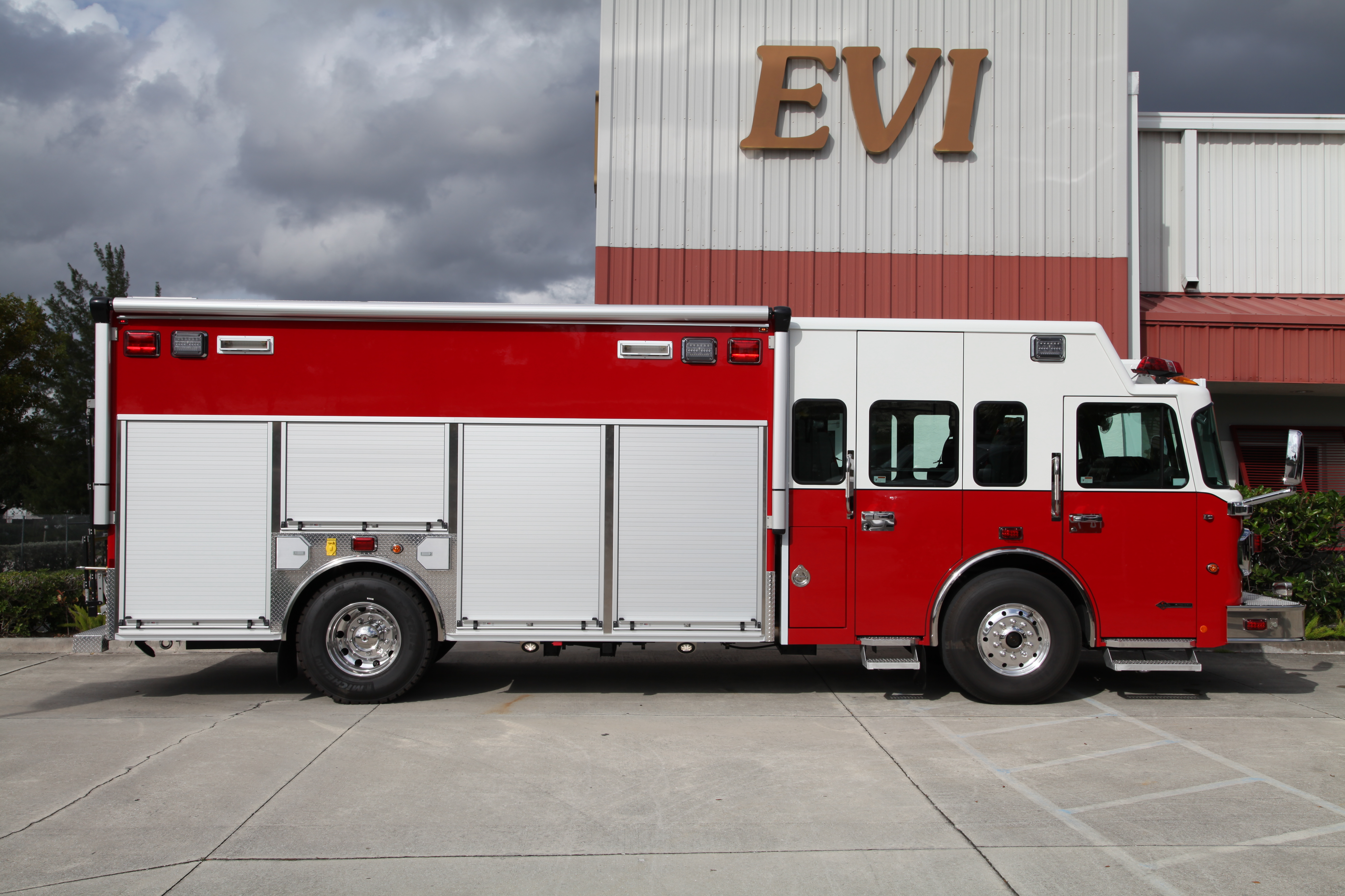 17-Ft. Non-Walk-In Rescue Truck