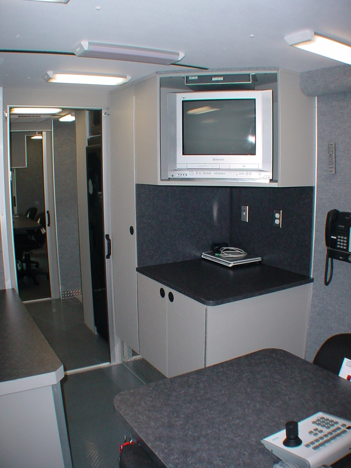 28-Ft. Stepvan Command Unit