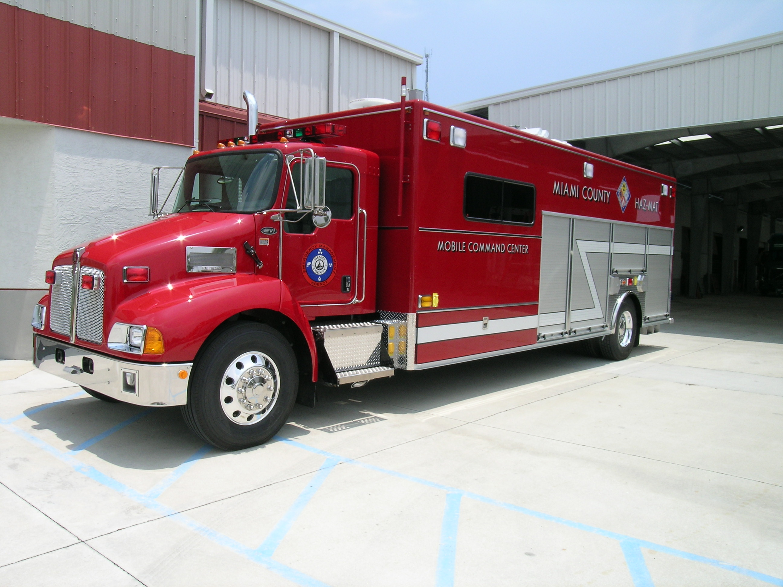 EVI 25-Ft. Haz-Mat/Command Truck