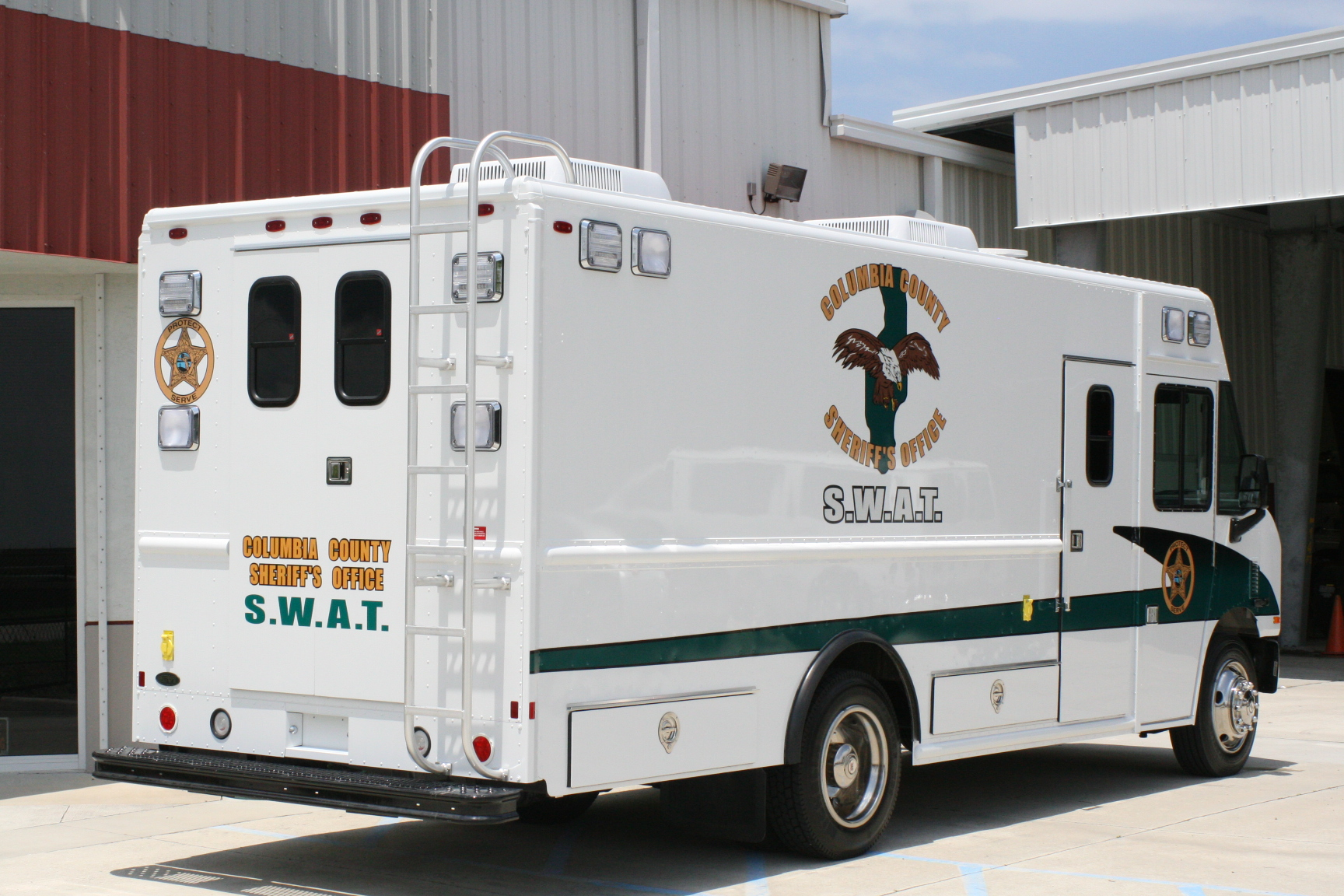 18-Ft. Step Van SWAT Truck