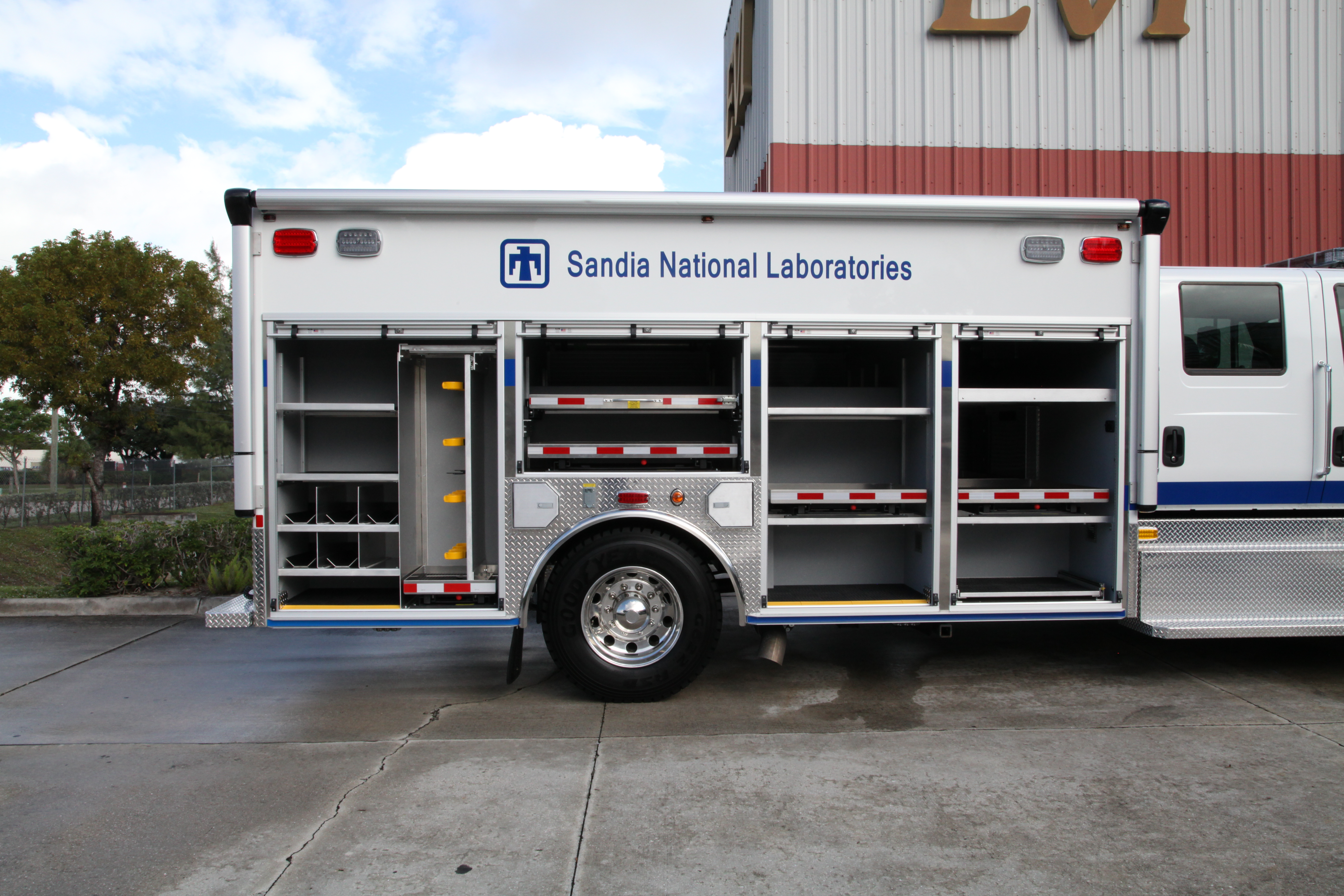 17-Ft Non-Walk-In Emergency Response