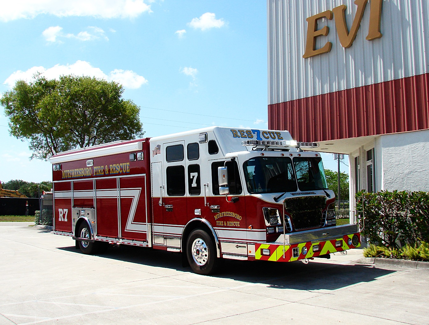 EVI Non-Walk-In Heavy-Duty Rescue