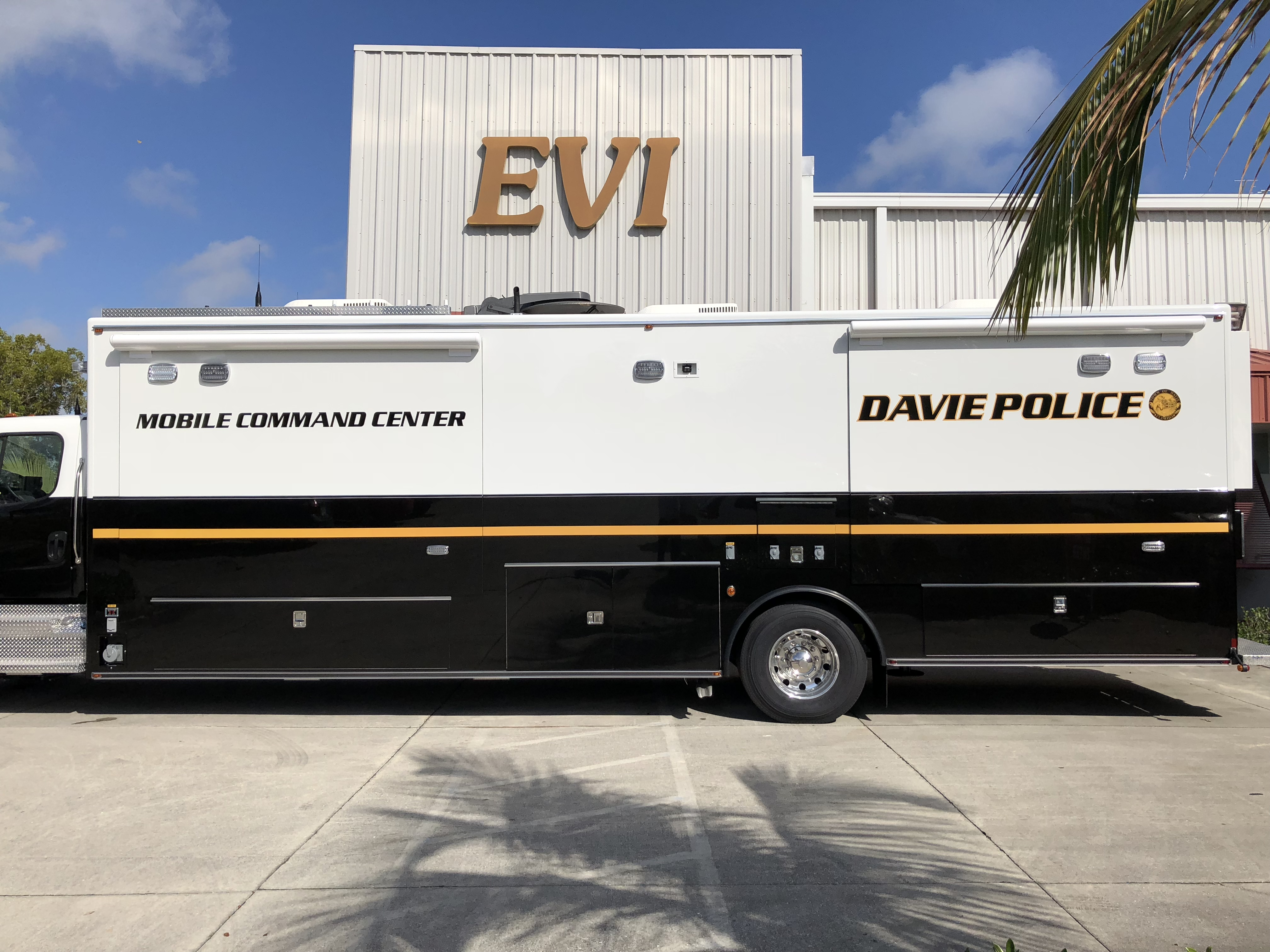 EVI 32-Ft. Mobile Command Vehicle