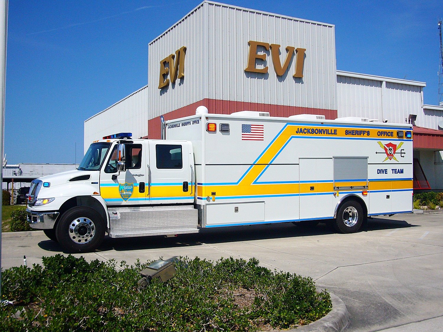 EVI Walk-In Dive Team Truck