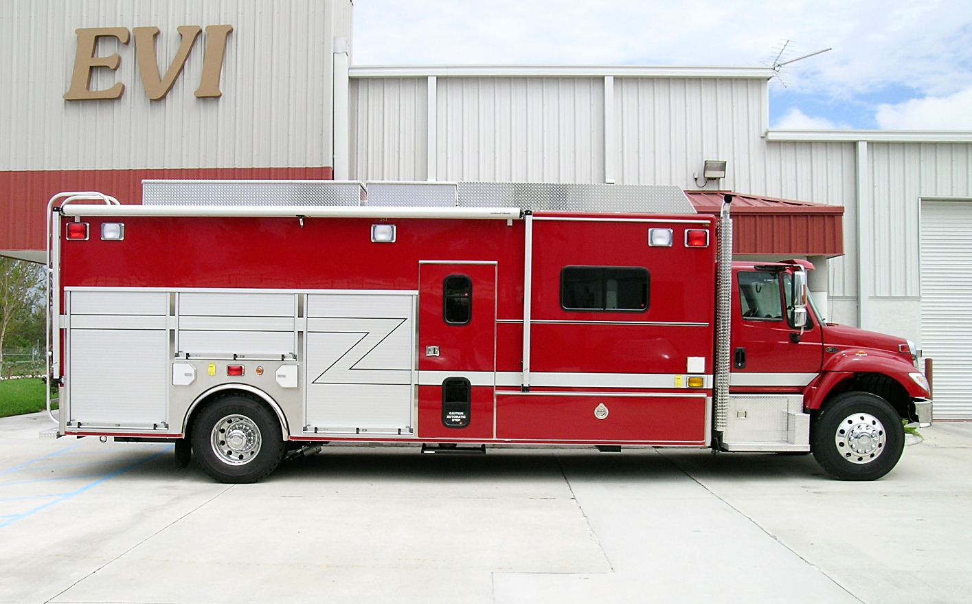 EVI 25-Ft. Walk-In Haz-Mat Unit
