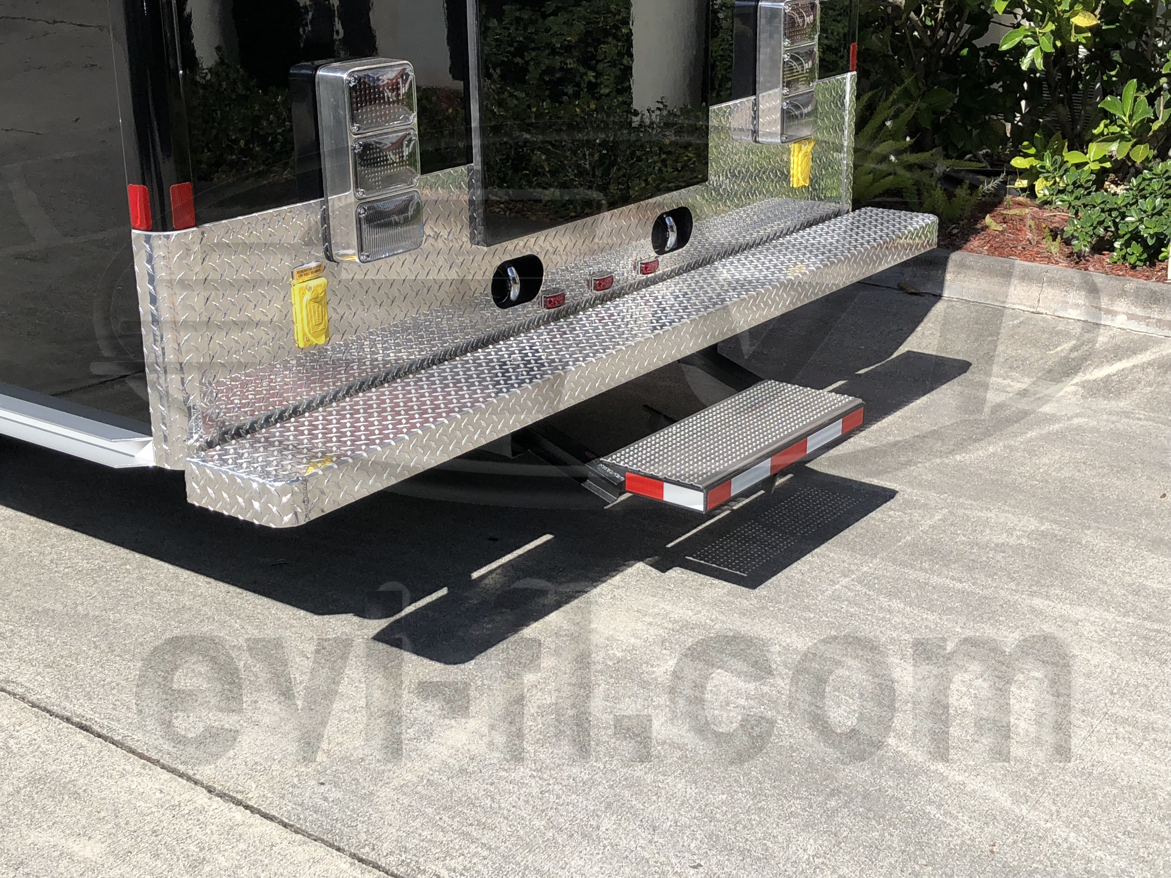 16-Ft. Walk-In DWI Mobile Processing