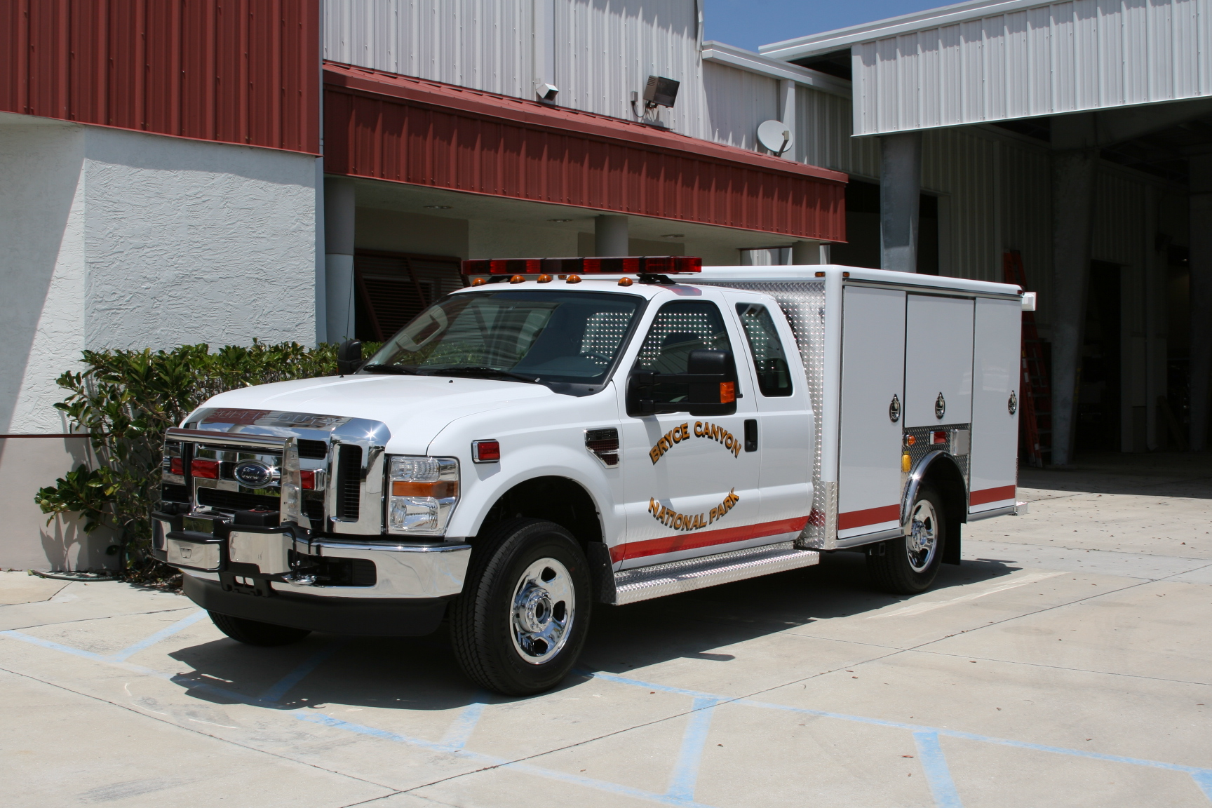 EVI 10-Ft. Non-Walk-In Rescue Truck