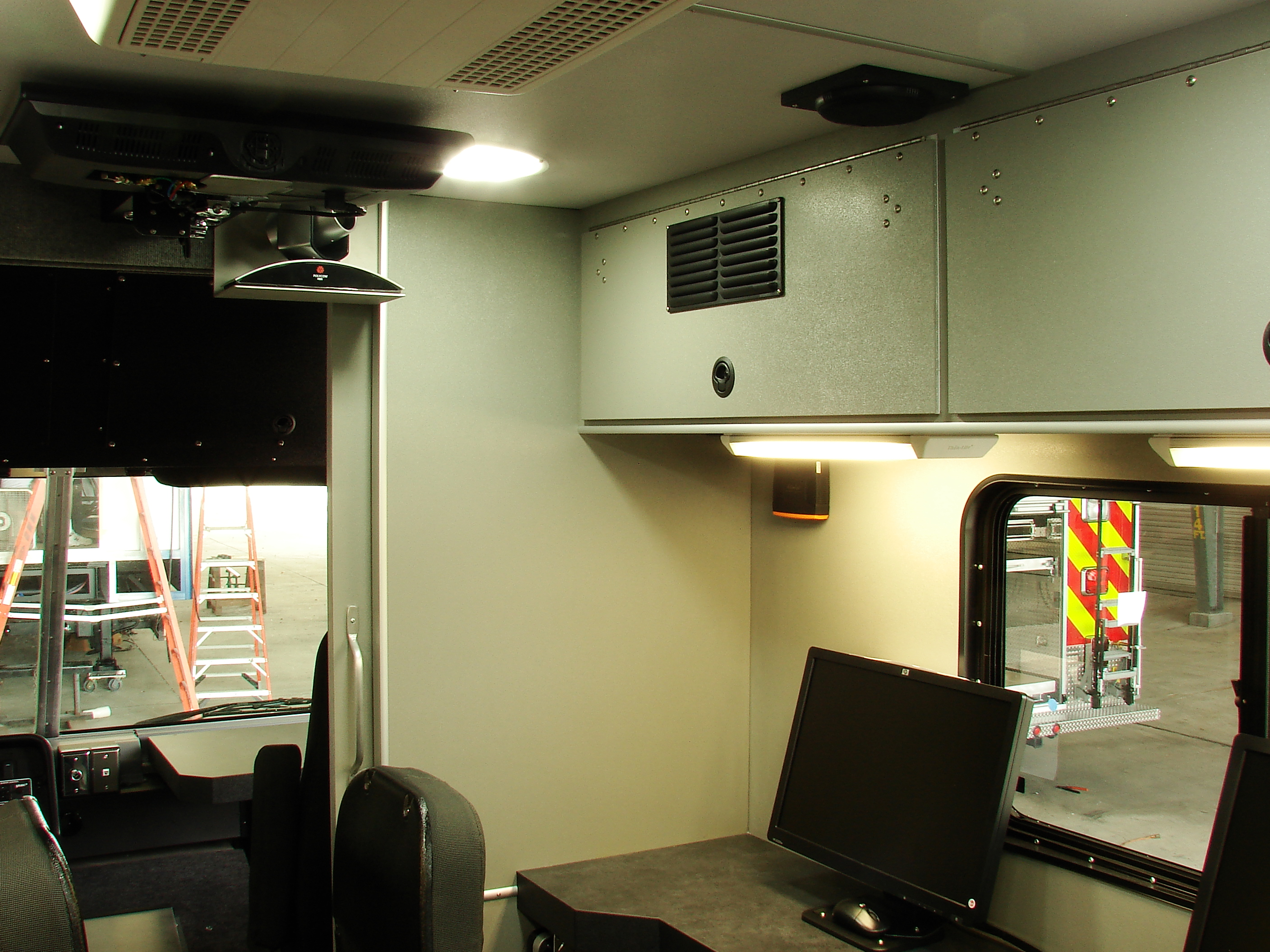 24-Ft. Walk-In Mobile Unit