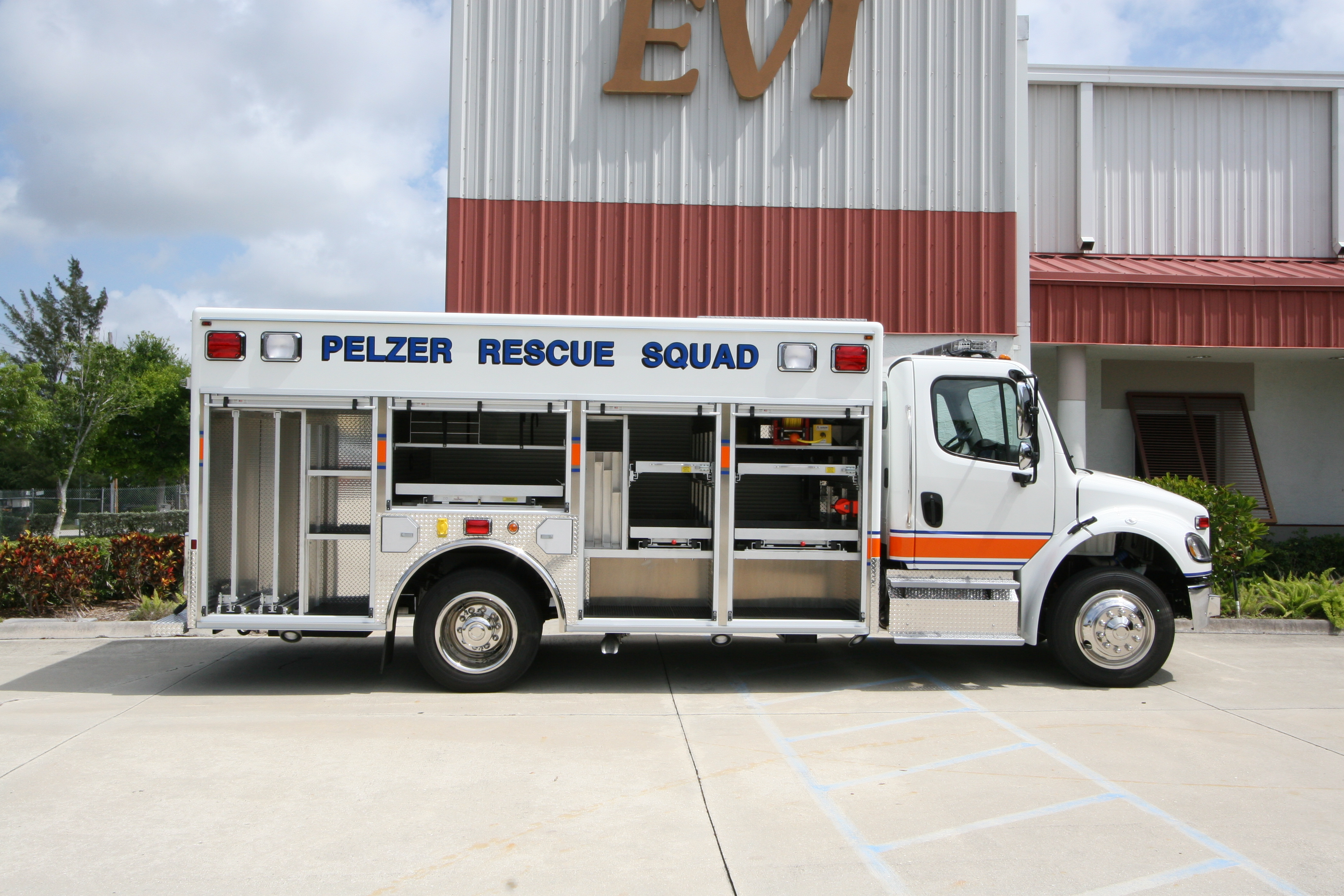 16-Ft. Non-Walk-In Rescue Truck
