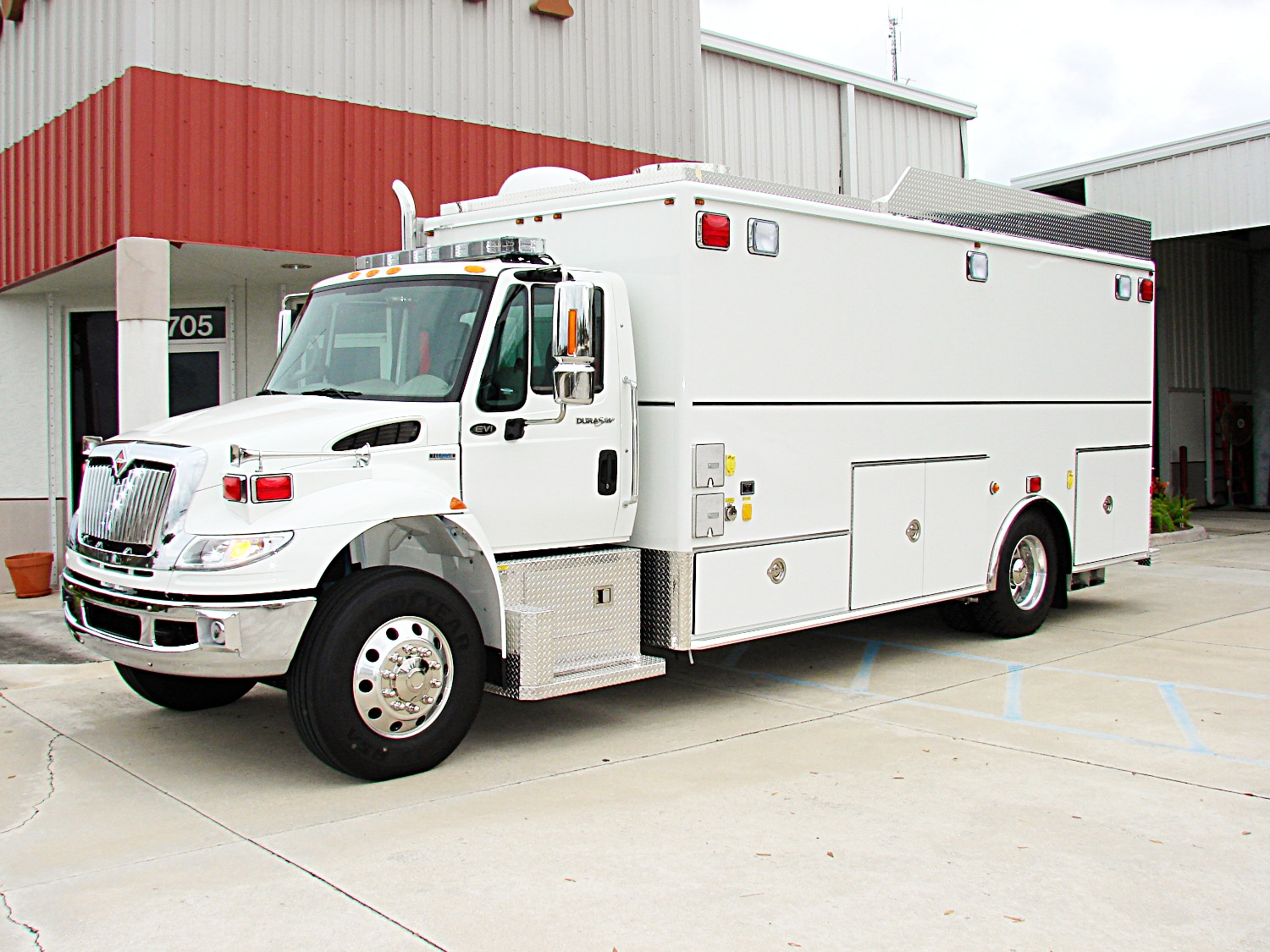 EVI 20-Ft. Command Post Vehicle