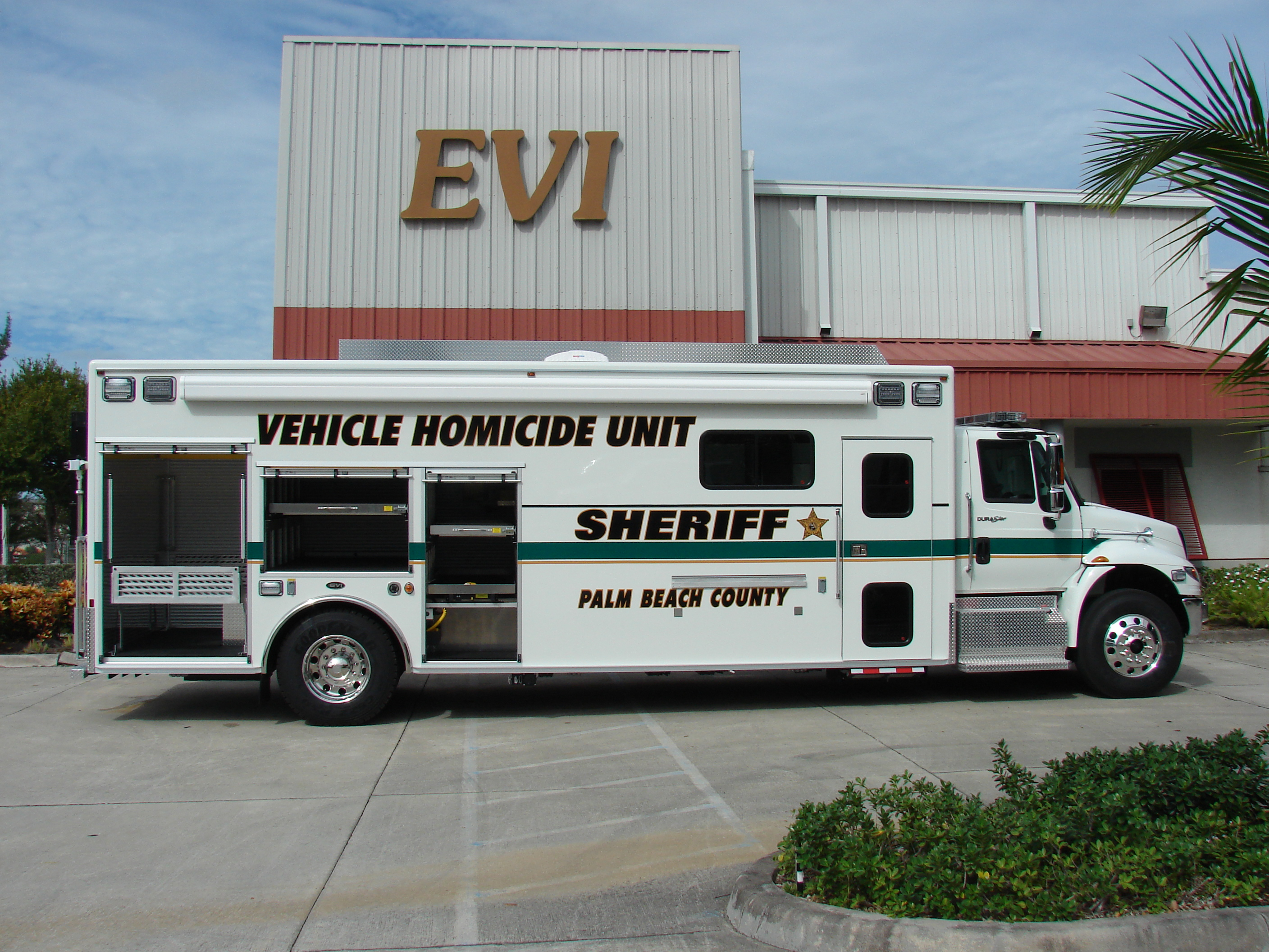 25-Ft Homicide Investigation Vehicle