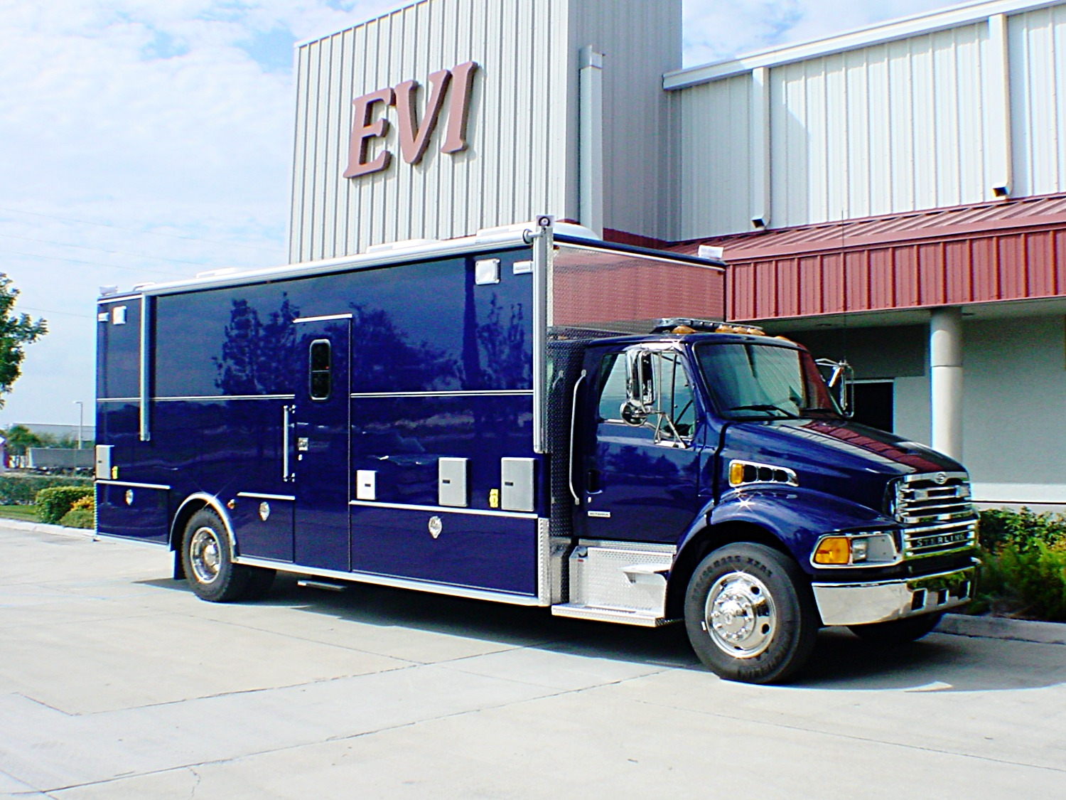 EVI custom tactical command truck