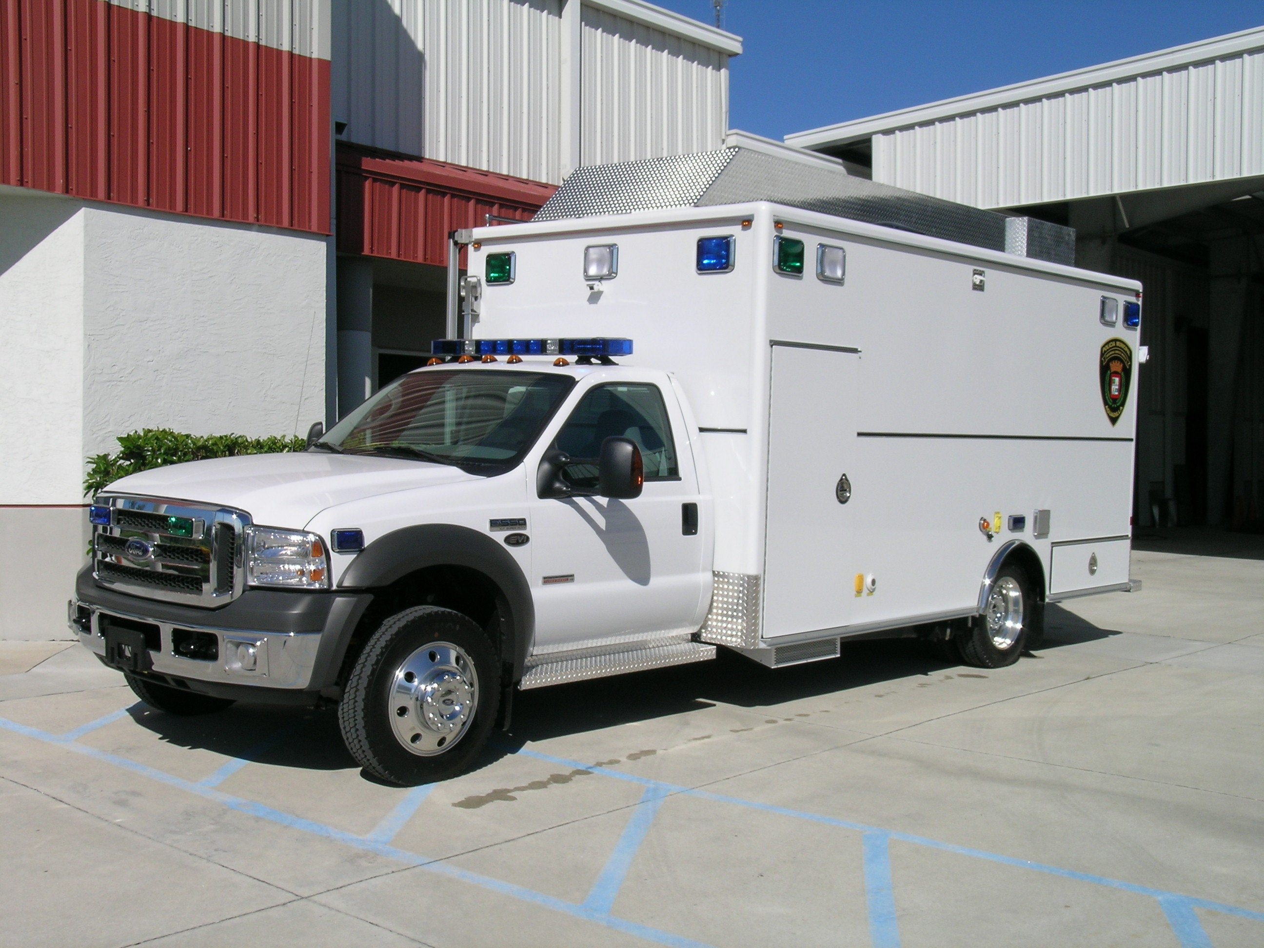 EVI 16-Ft. Command Vehicle
