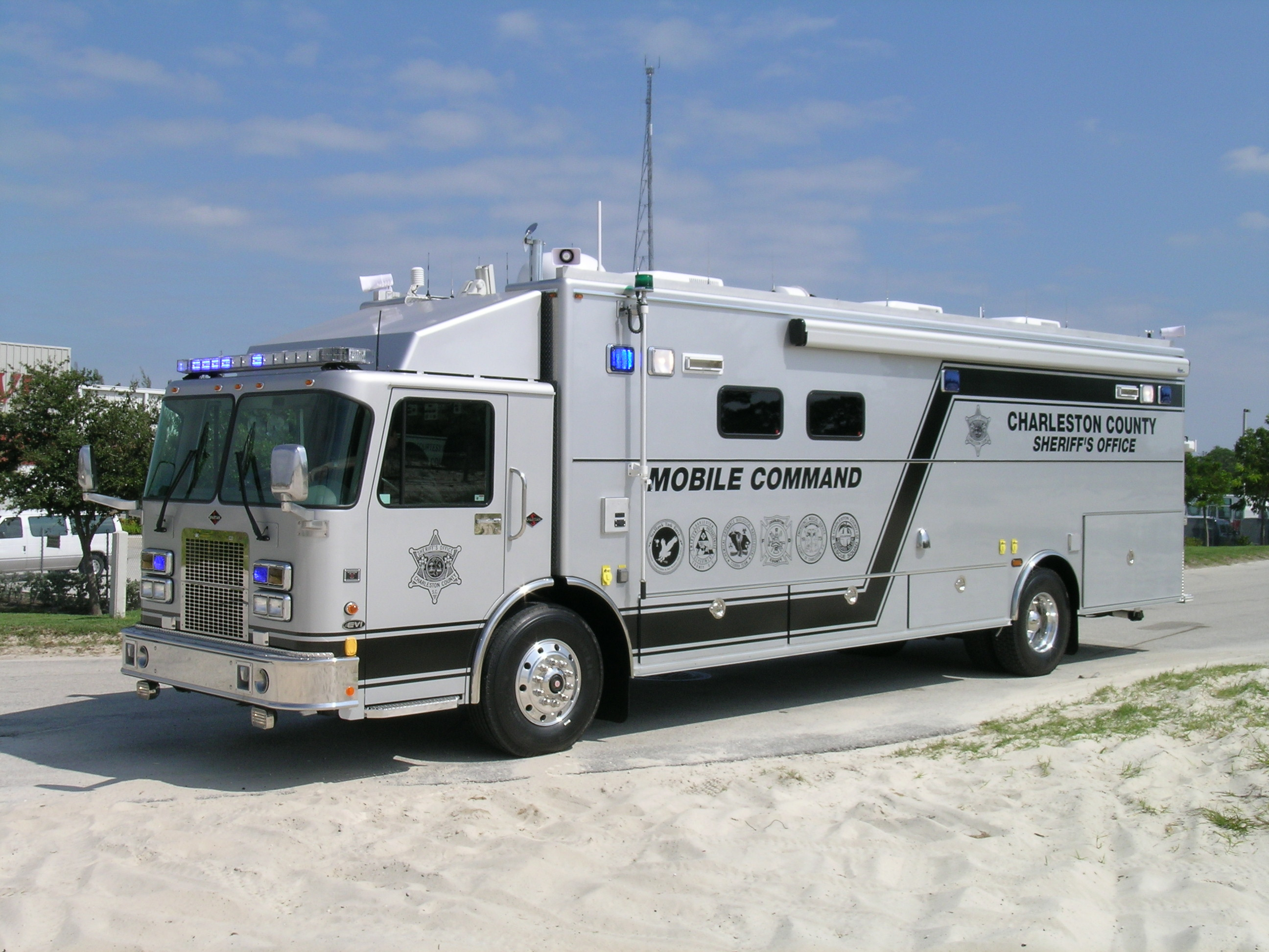 30-Ft Walk-In Mobile Command Vehicle