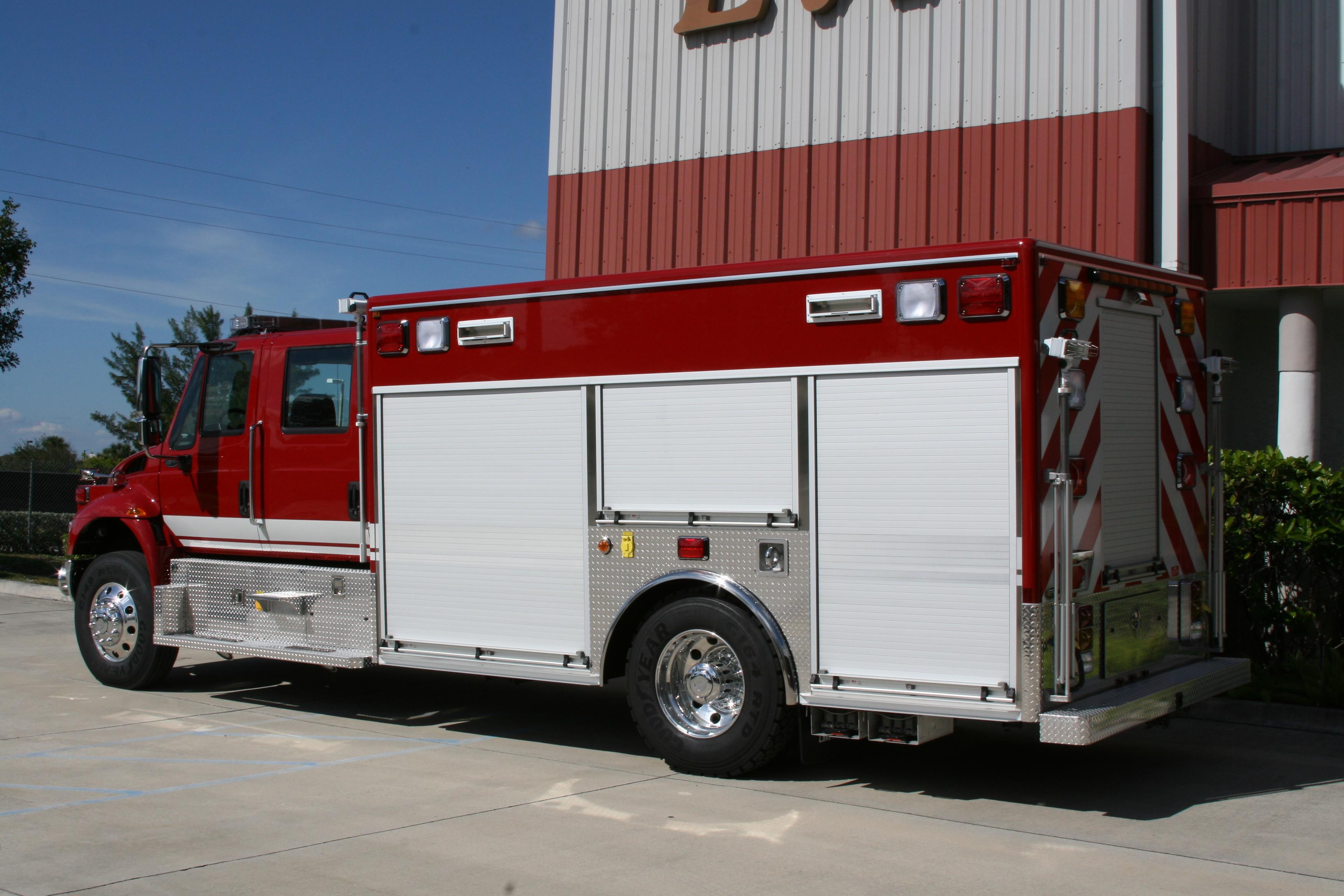 15-Ft. Non-Walk-In Squad Truck