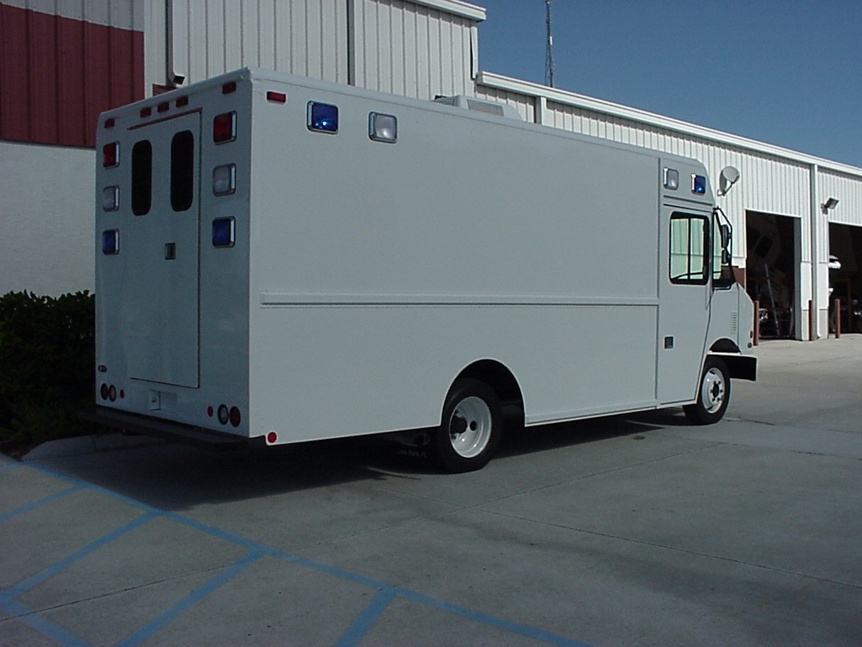 16-Ft. Mobile Command Step Van