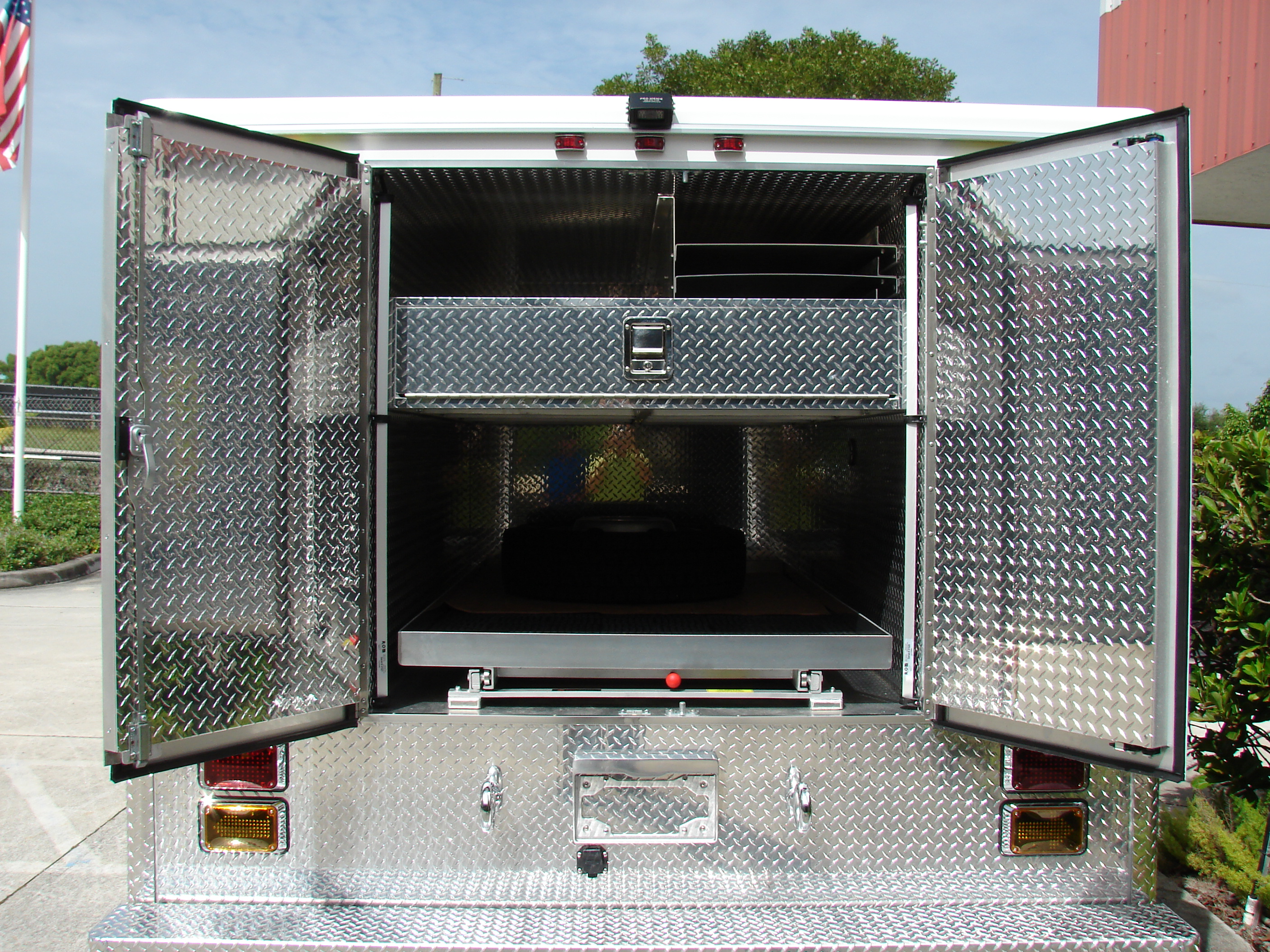 12-Ft. Non-Walk-In Rescue Truck