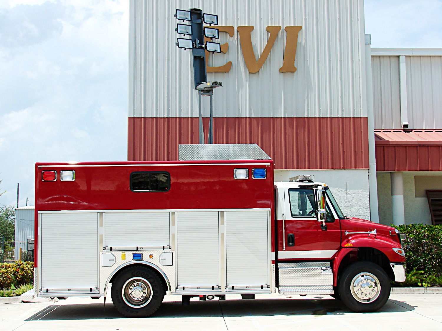 EVI Walk-In Rescue Truck