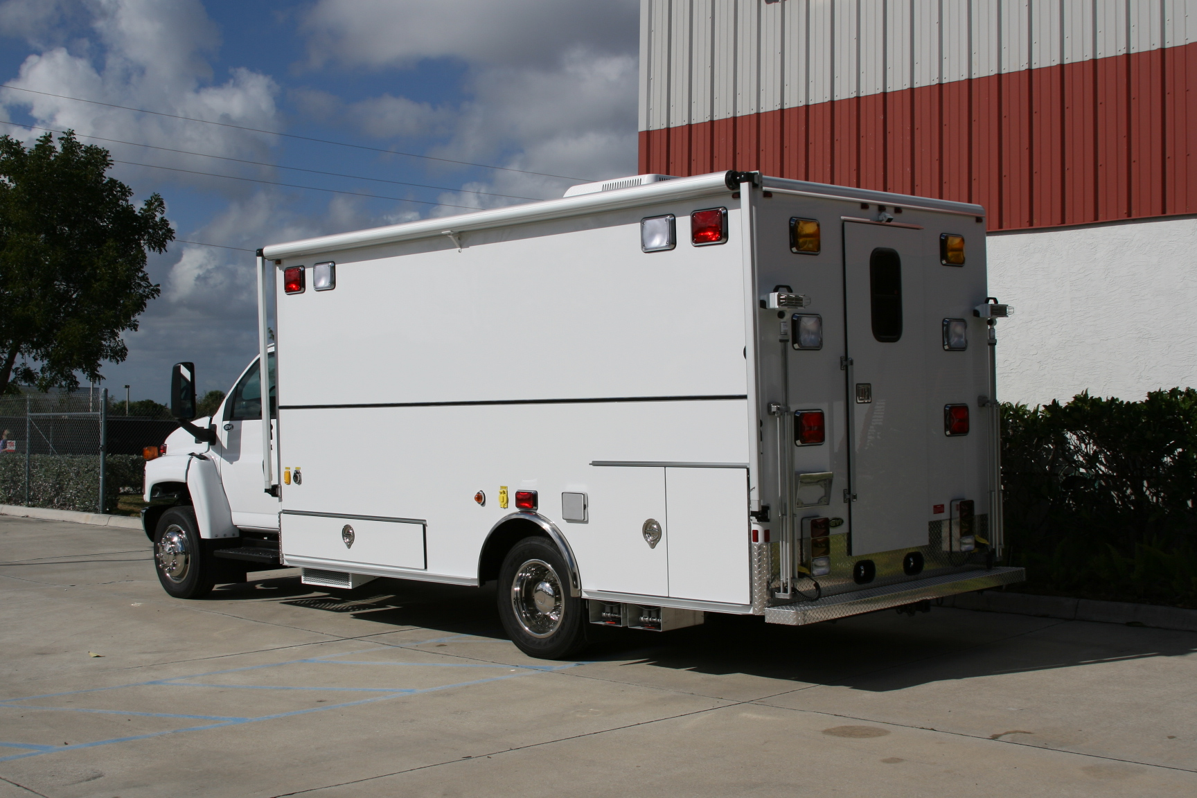 16-Ft. Walk-In Emergency Response