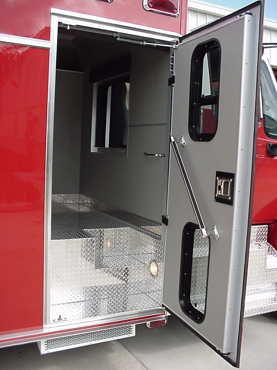 15-Ft. Crew Body Medium Duty Walk-In