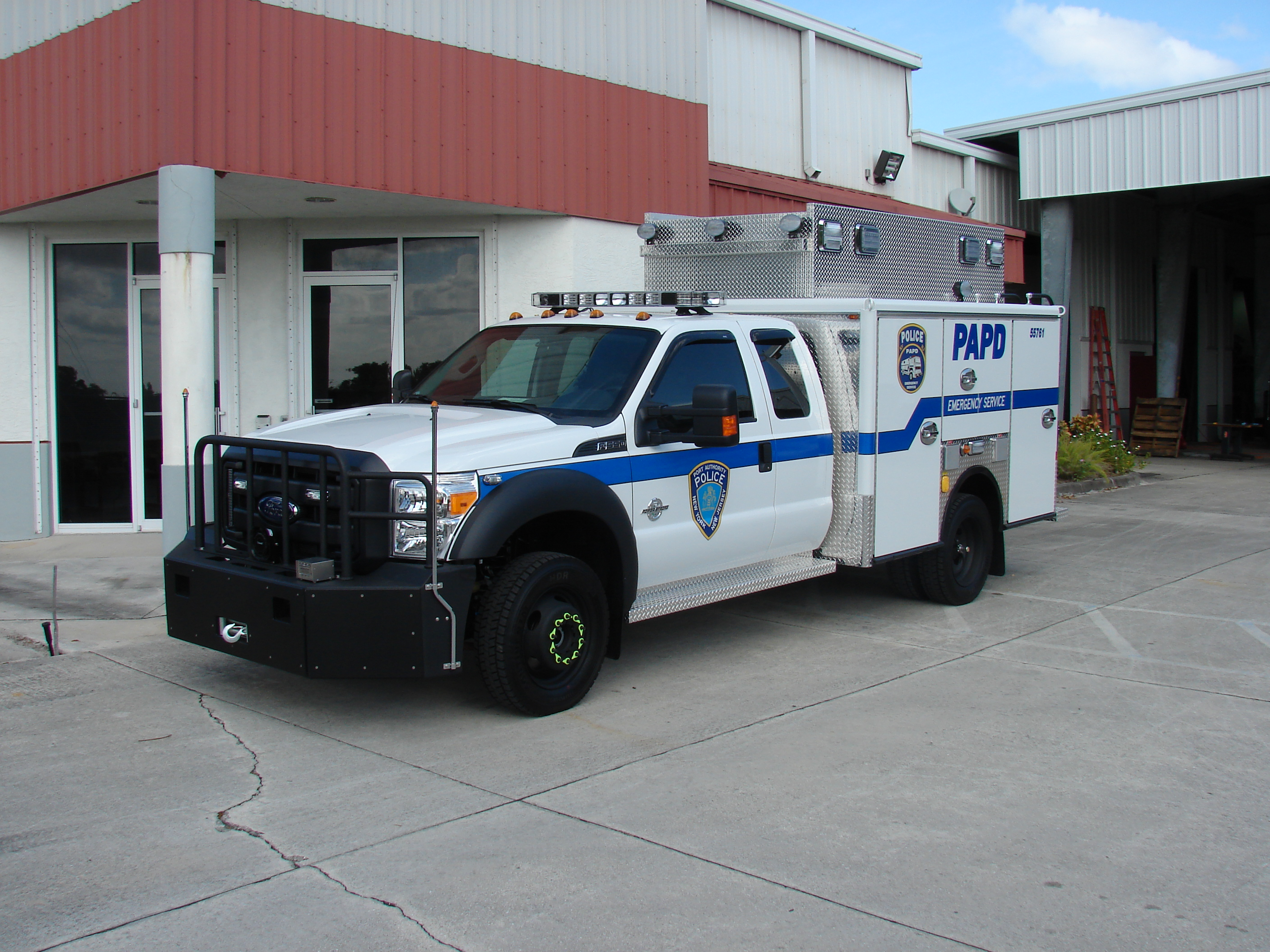 EVI Light Duty Police Rescue Truck