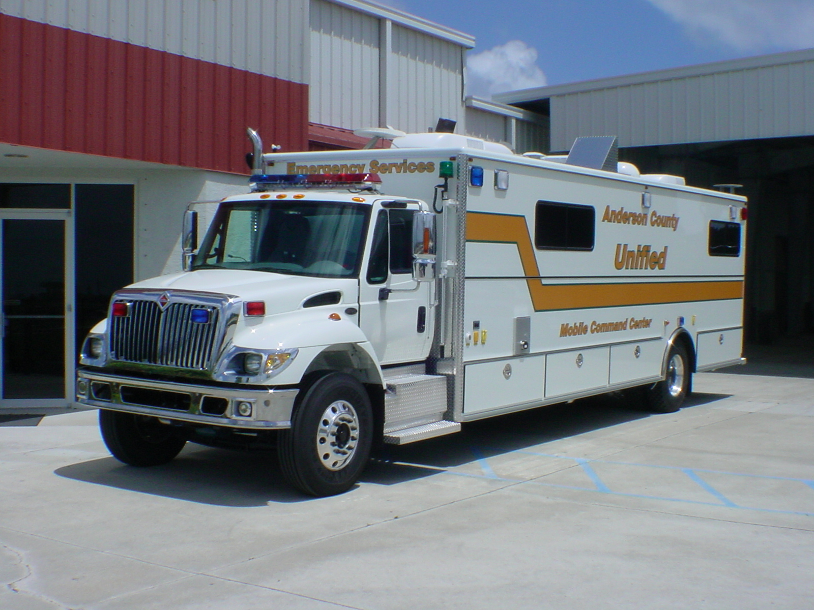 EVI 30-Ft. Command Post Vehicle