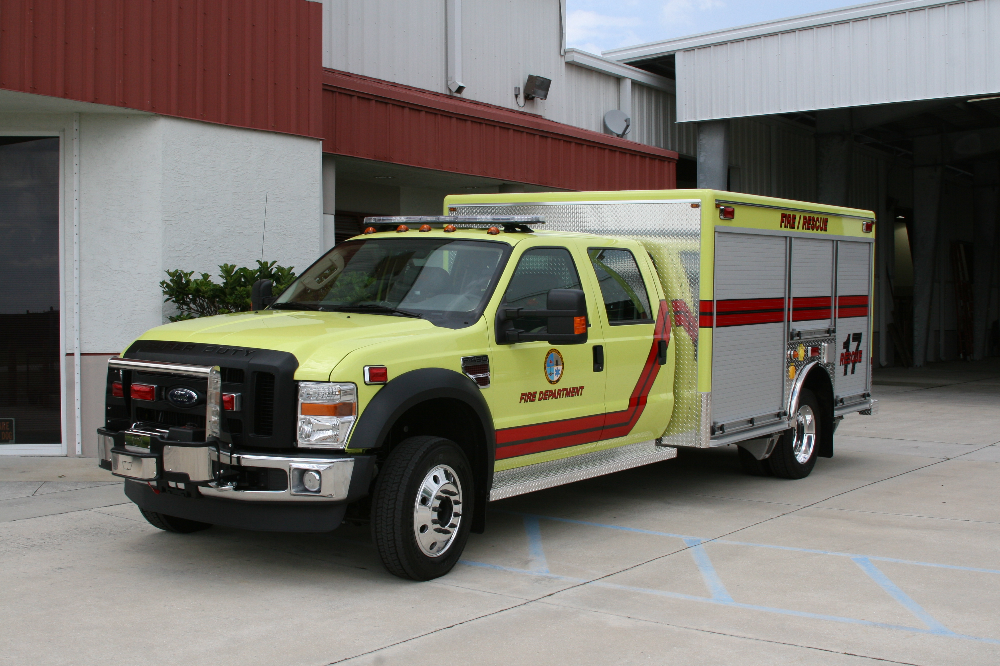 EVI Non-Walk-In Light Rescue Truck