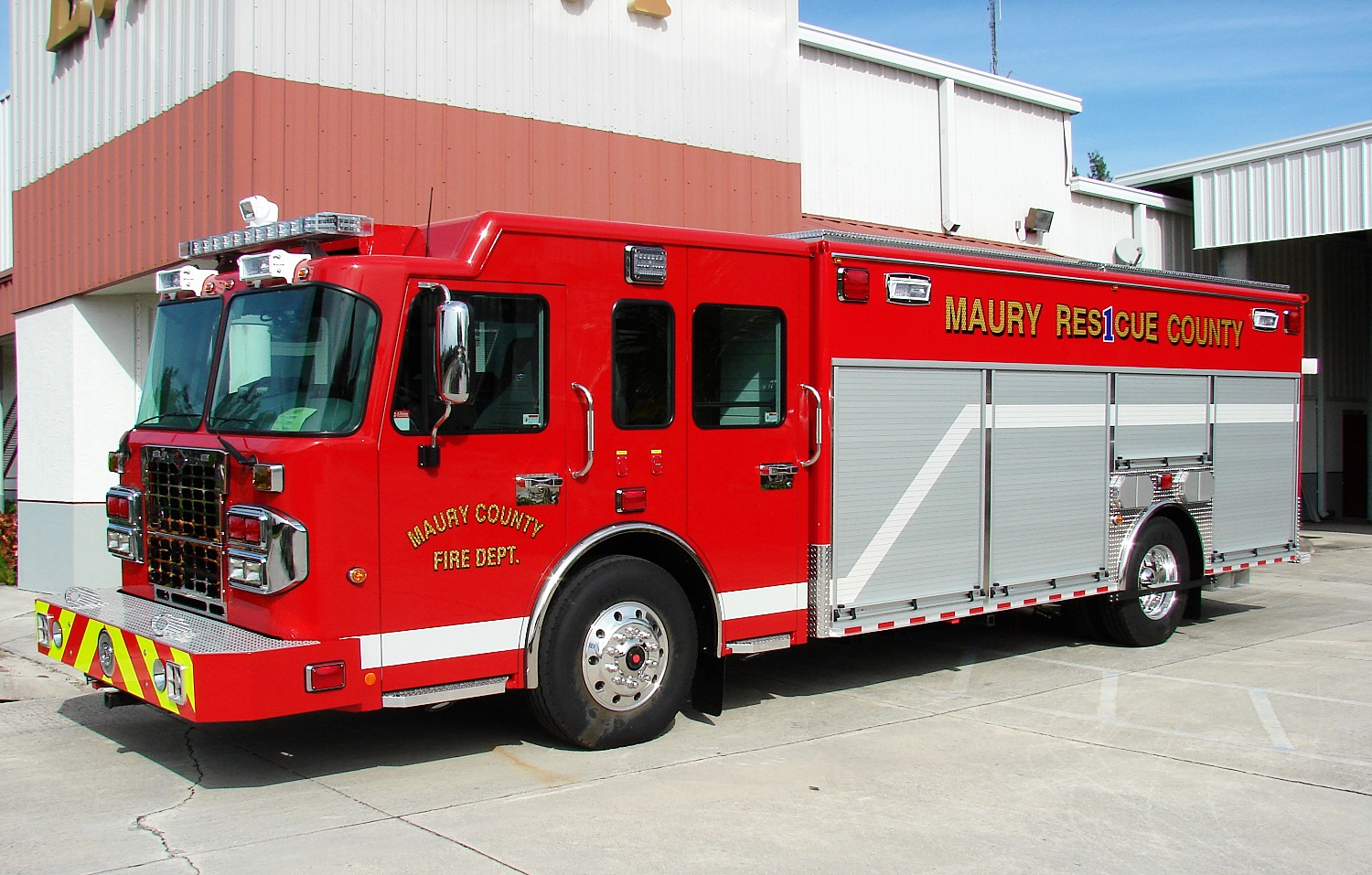 EVI 20-Ft. Non-Walk-In Rescue Truck