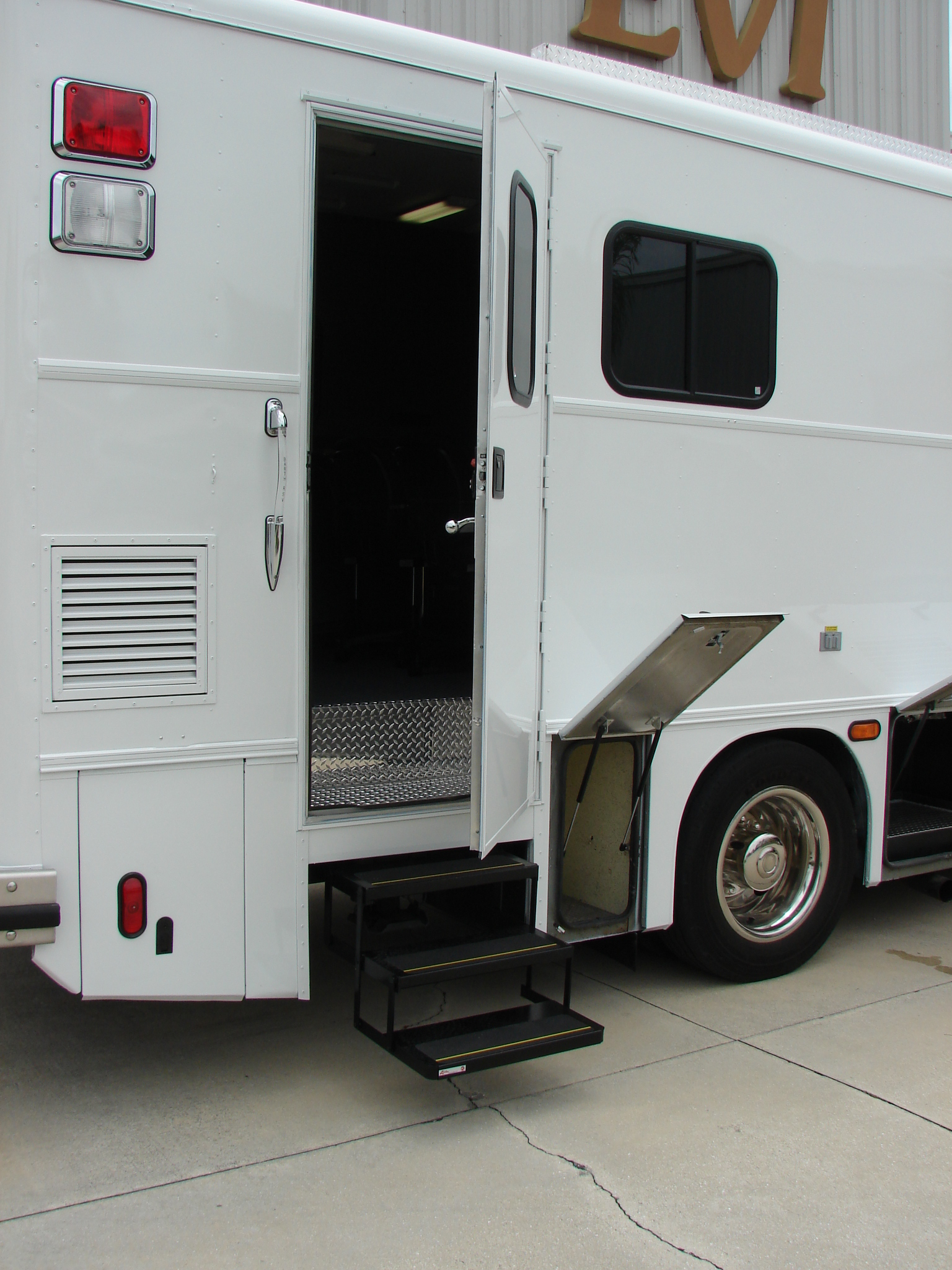 30-Ft. Command Vehicle