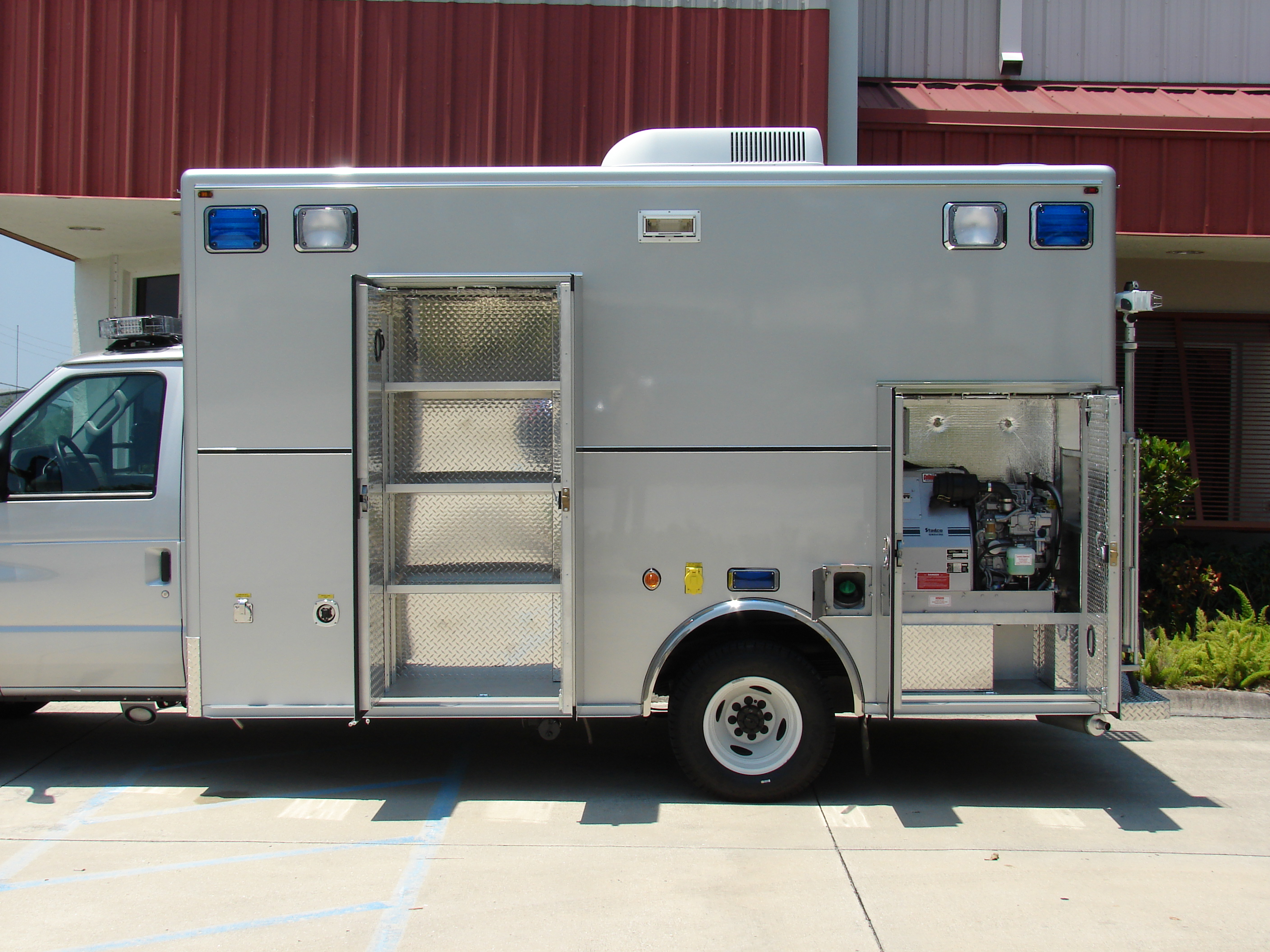 13-Ft. Walk-In DUI Mobile Processing