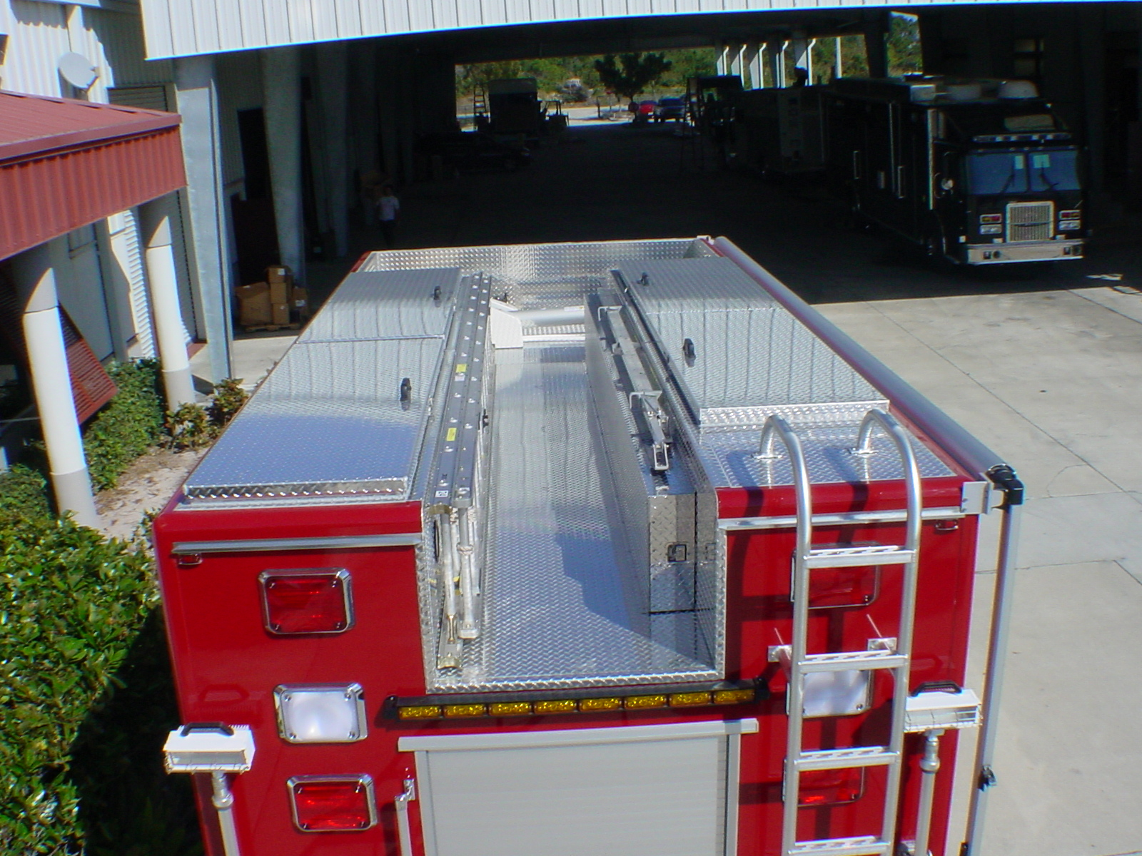 16-Ft. Non-Walk-In Rescue Apparatus