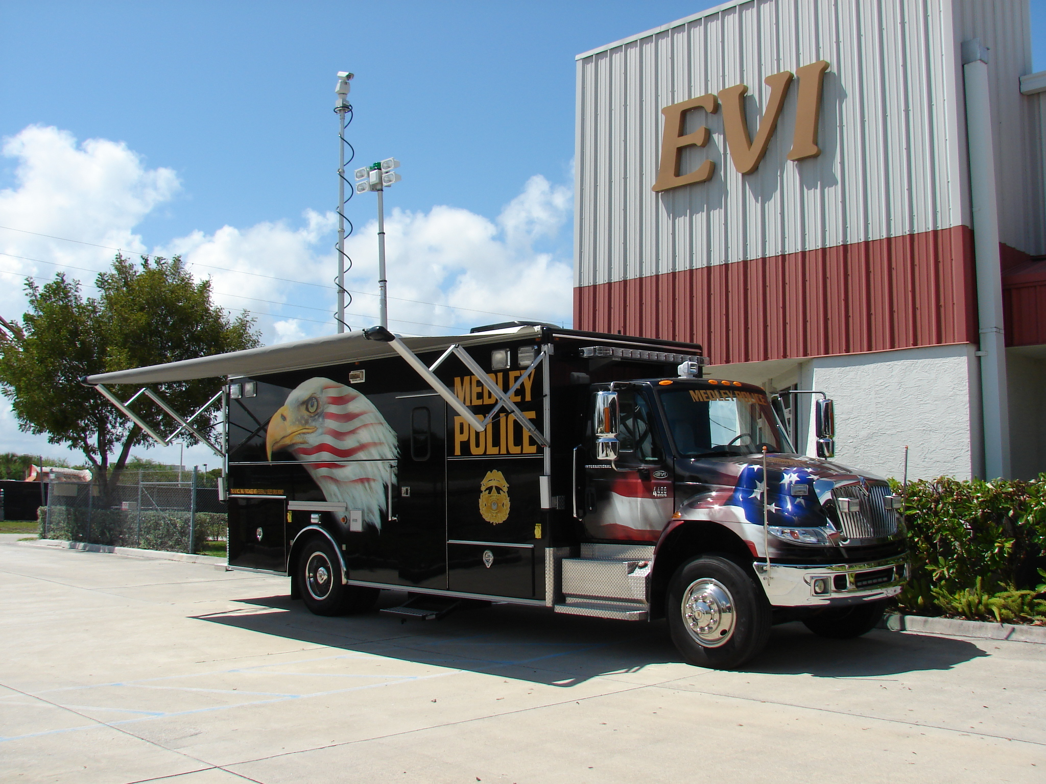 20-Ft. Law Enforcement Vehicle