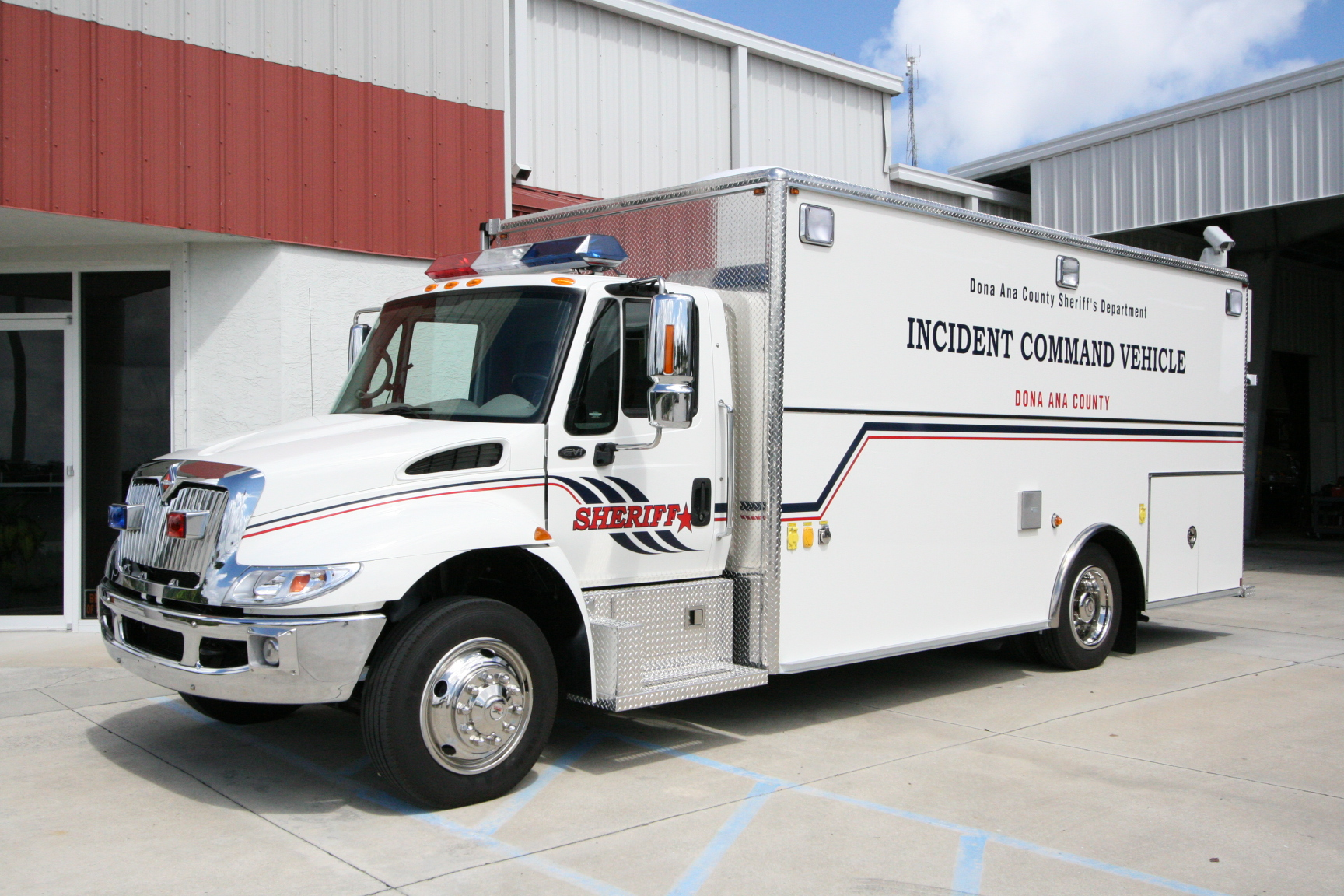 EVI 18-Ft. Command/Response Vehicle