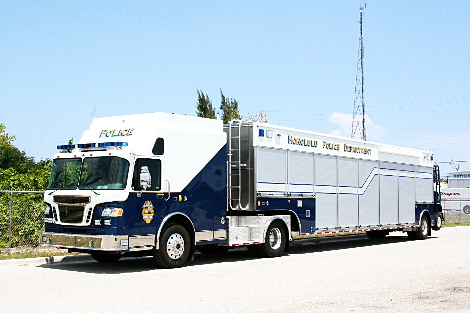 EVI Tractor Trailer Command Veh.