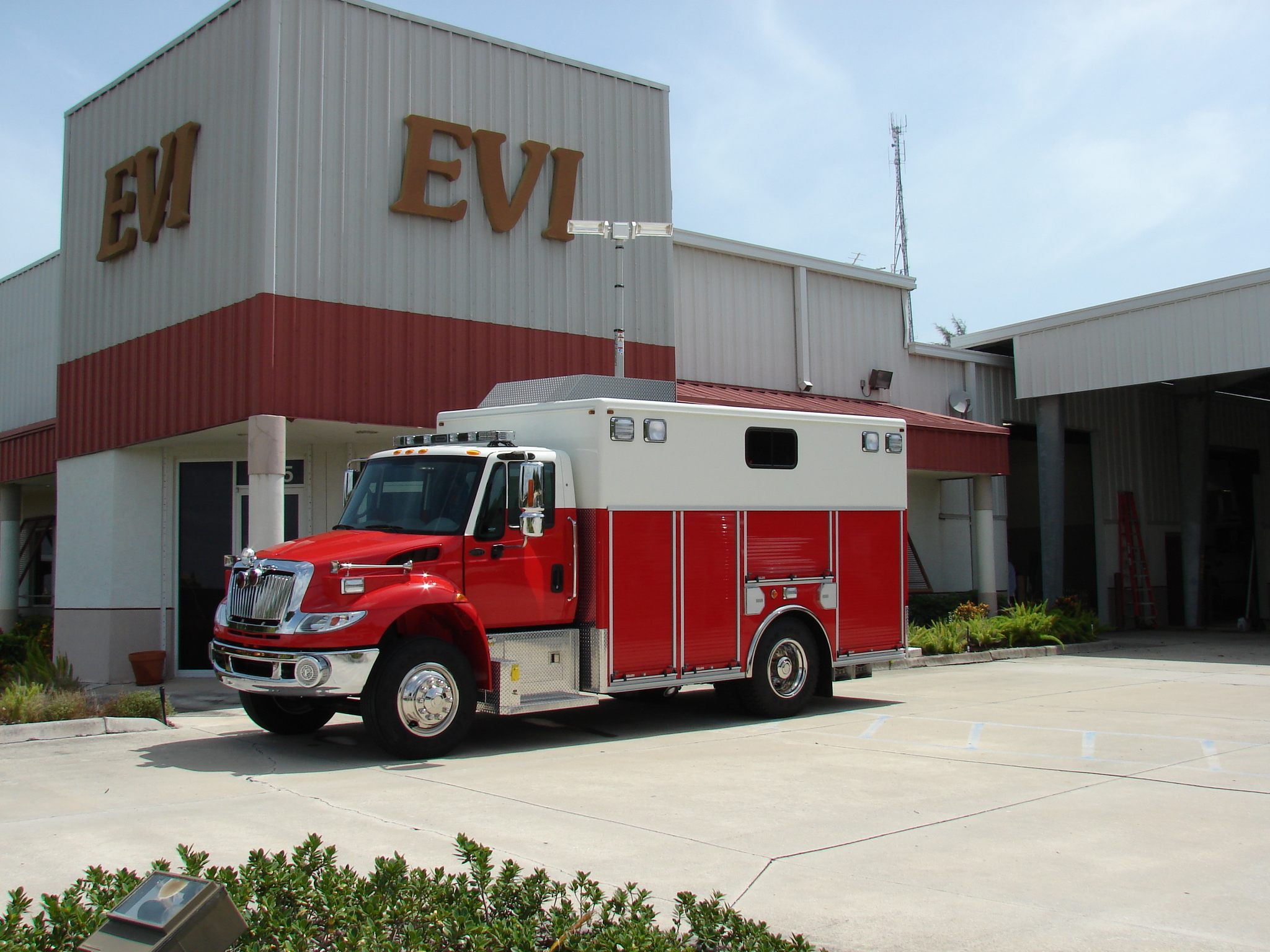 16-Ft. Walk-In Rescue Truck
