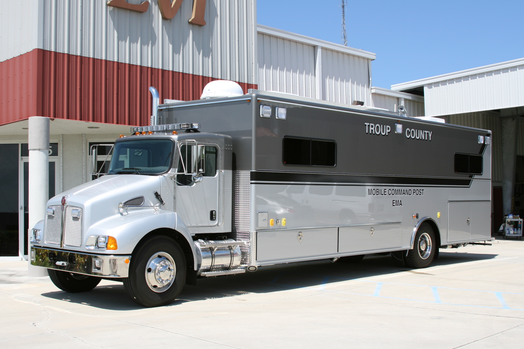 EVI 30-Ft. Mobile Command Post