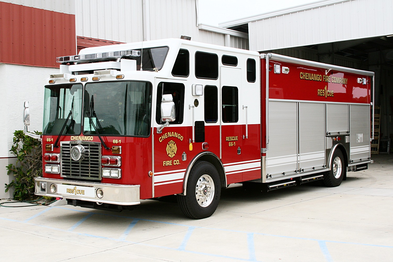 EVI 18-Ft. Non-Walk-In Rescue Truck