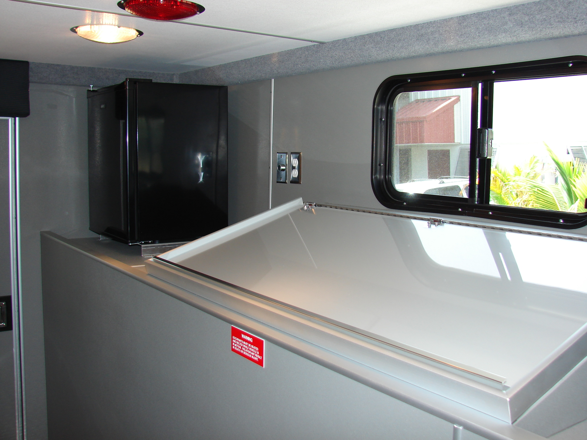 16-Ft. Walk-In Rescue Truck