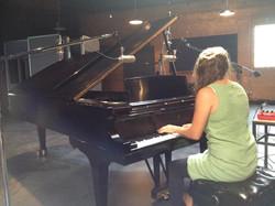Au piano!