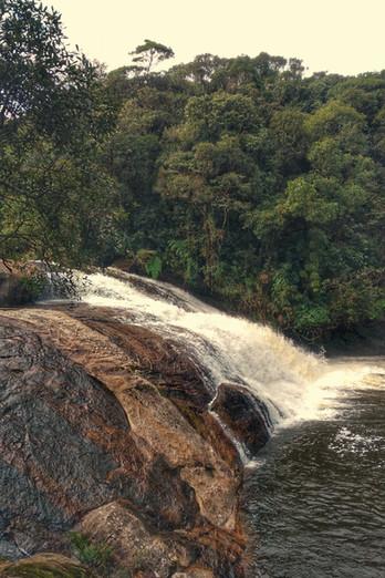 Conhecendo a Cachoeira da Pedra Furada e a Cachoeira Light na Serra do Mar - SP